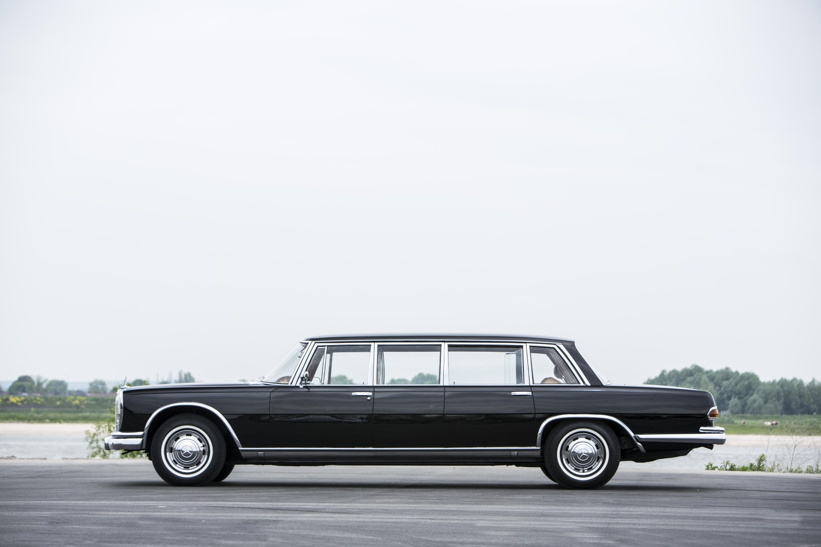1965 mercedes benz 600 pullman going up for auction 2017 for Mercedes benz hours of operation