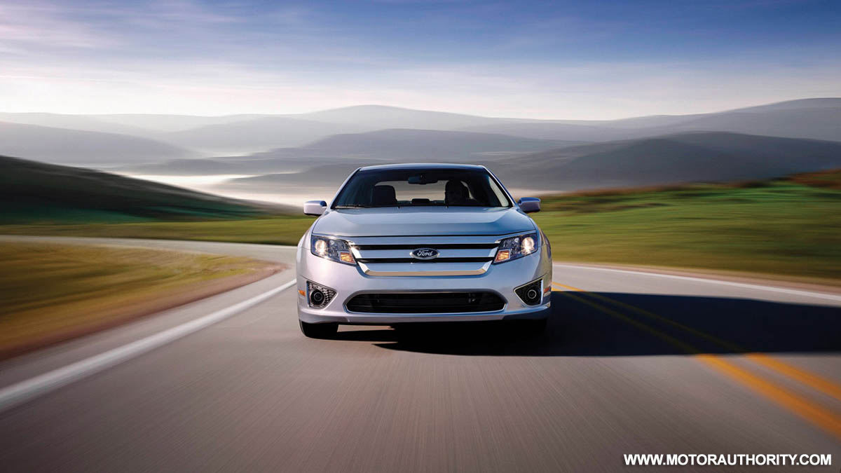 2010 ford fusion hybrid how green can you drive. Black Bedroom Furniture Sets. Home Design Ideas