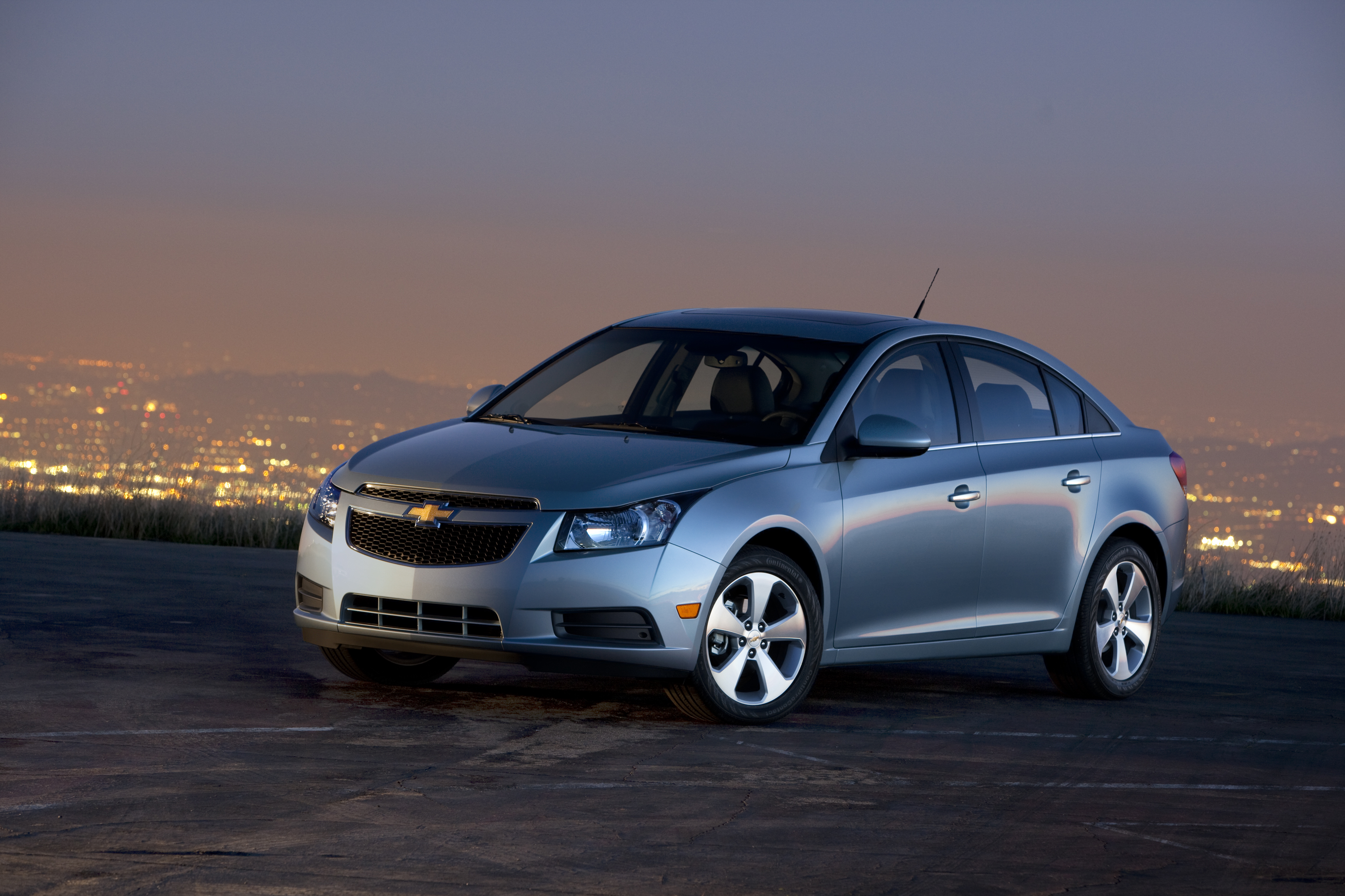 2011 Chevrolet Cruze Chevy Review Ratings Specs