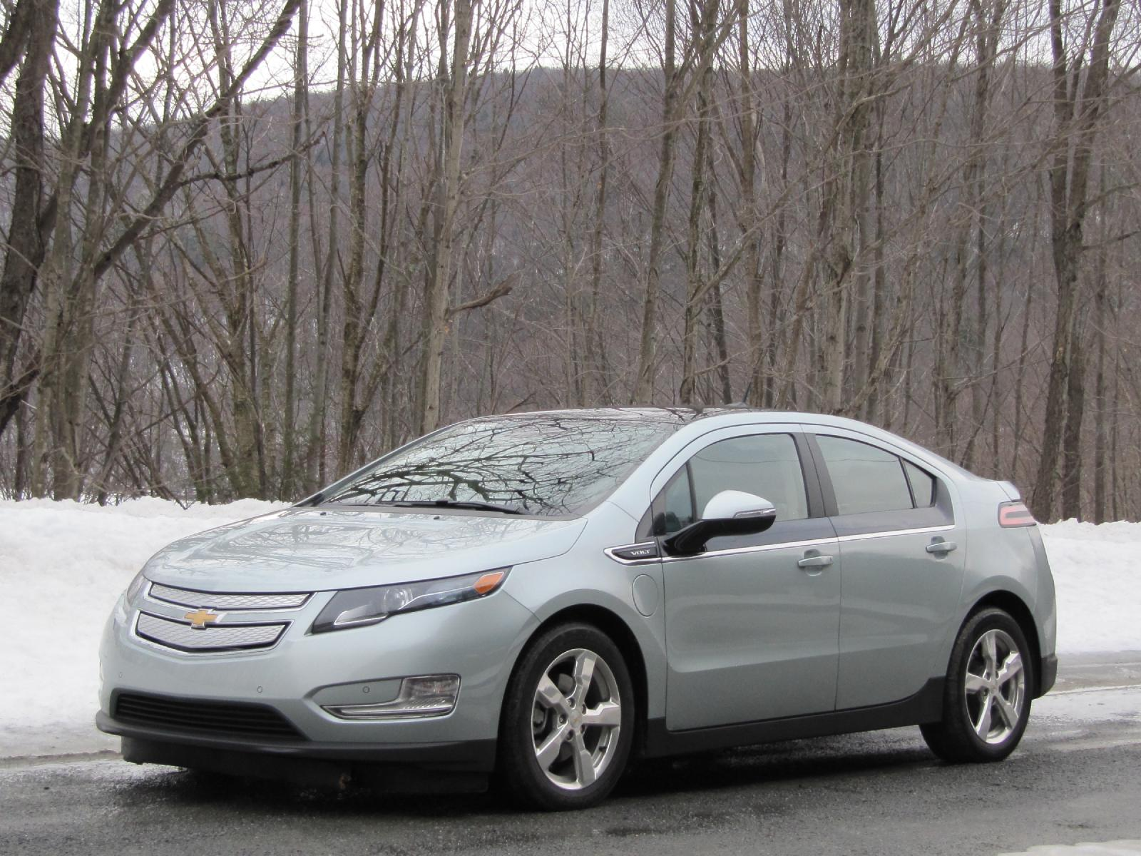 2012 chevy volt price cut pay less but get a lot less. Black Bedroom Furniture Sets. Home Design Ideas