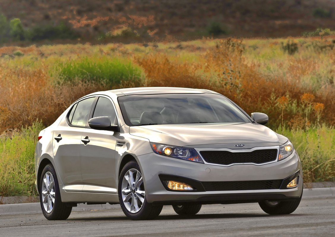 2011 kia optima beats honda accord in cr family sedan test. Black Bedroom Furniture Sets. Home Design Ideas