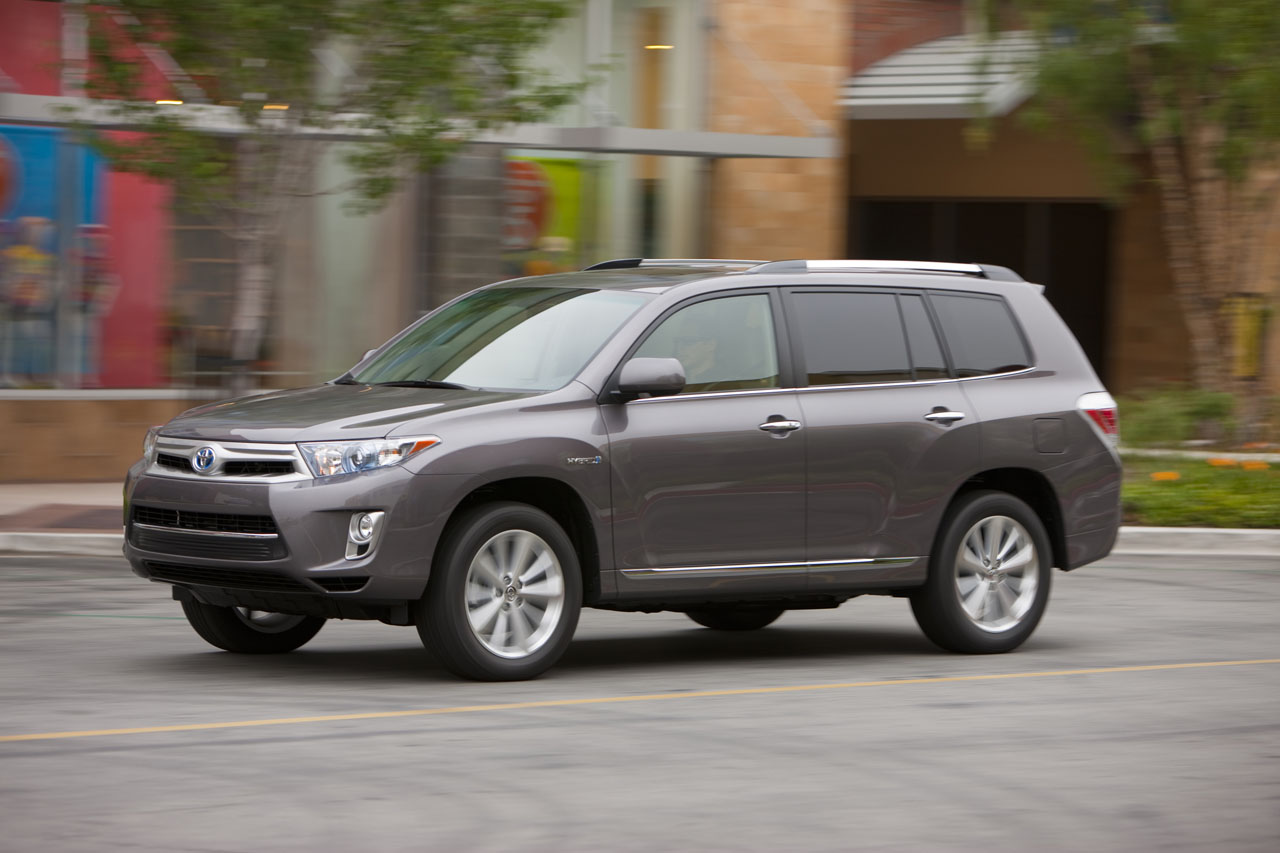2011 toyota highlander review ratings specs prices and photos the car connection. Black Bedroom Furniture Sets. Home Design Ideas