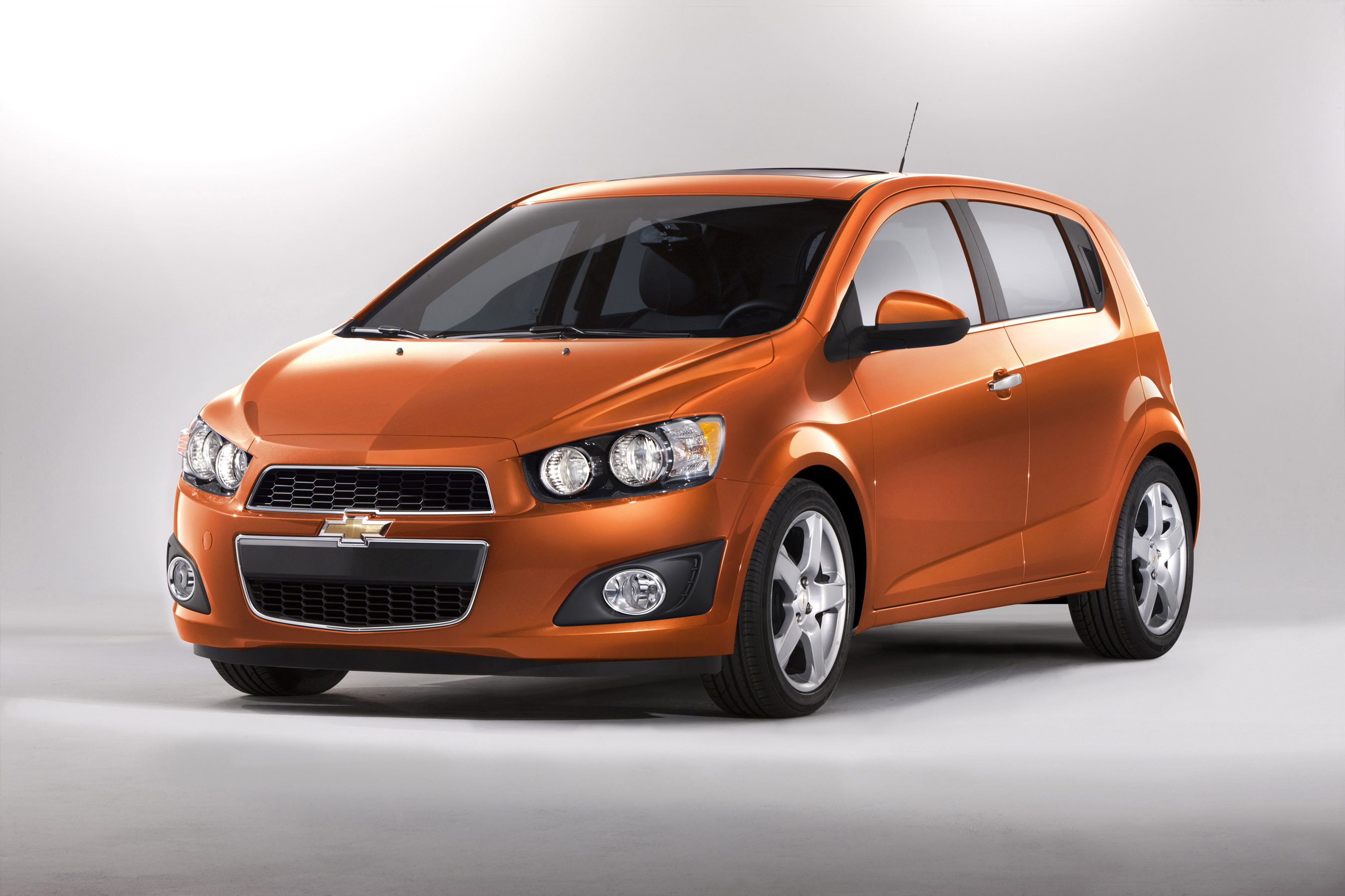 2012 Chevrolet Sonic Chevy Reviews Amp Test Drives Green Car Reports