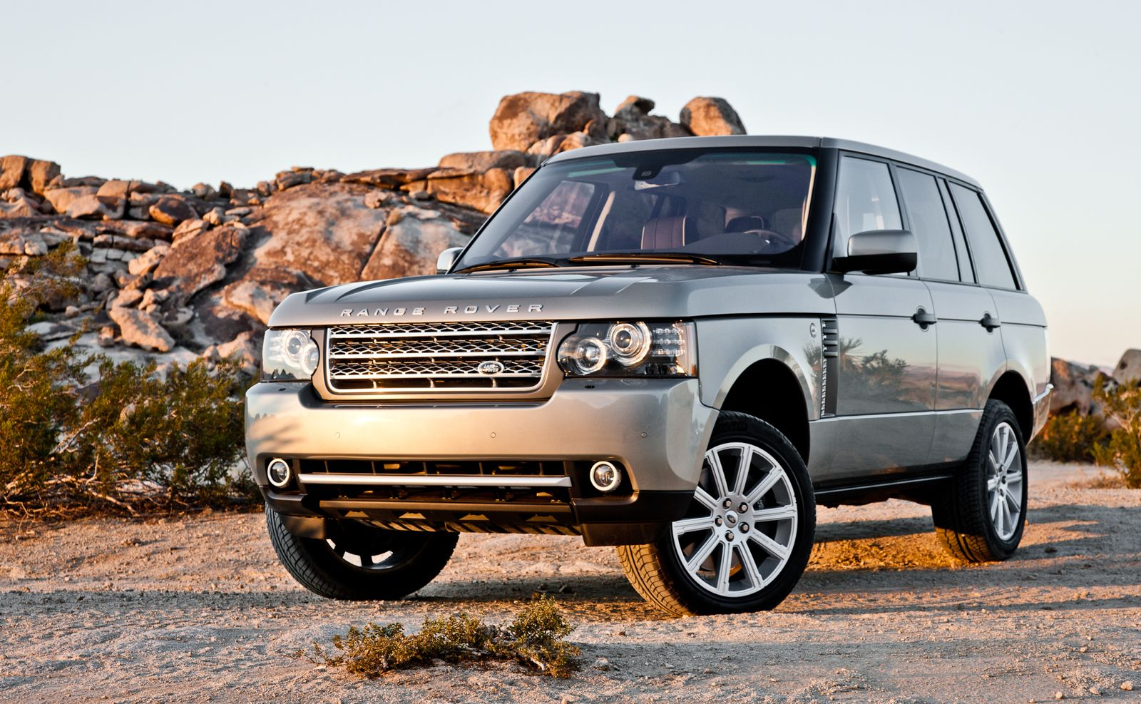 2012 land rover range rover review and news motorauthority. Black Bedroom Furniture Sets. Home Design Ideas