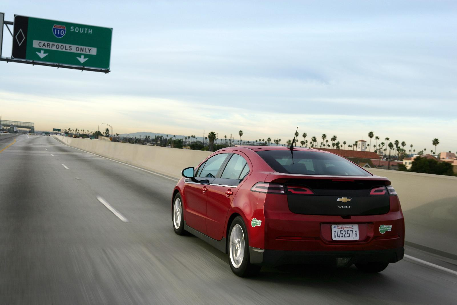 2013 Chevy Volt Gets 38 Mile Electric Range Higher 98