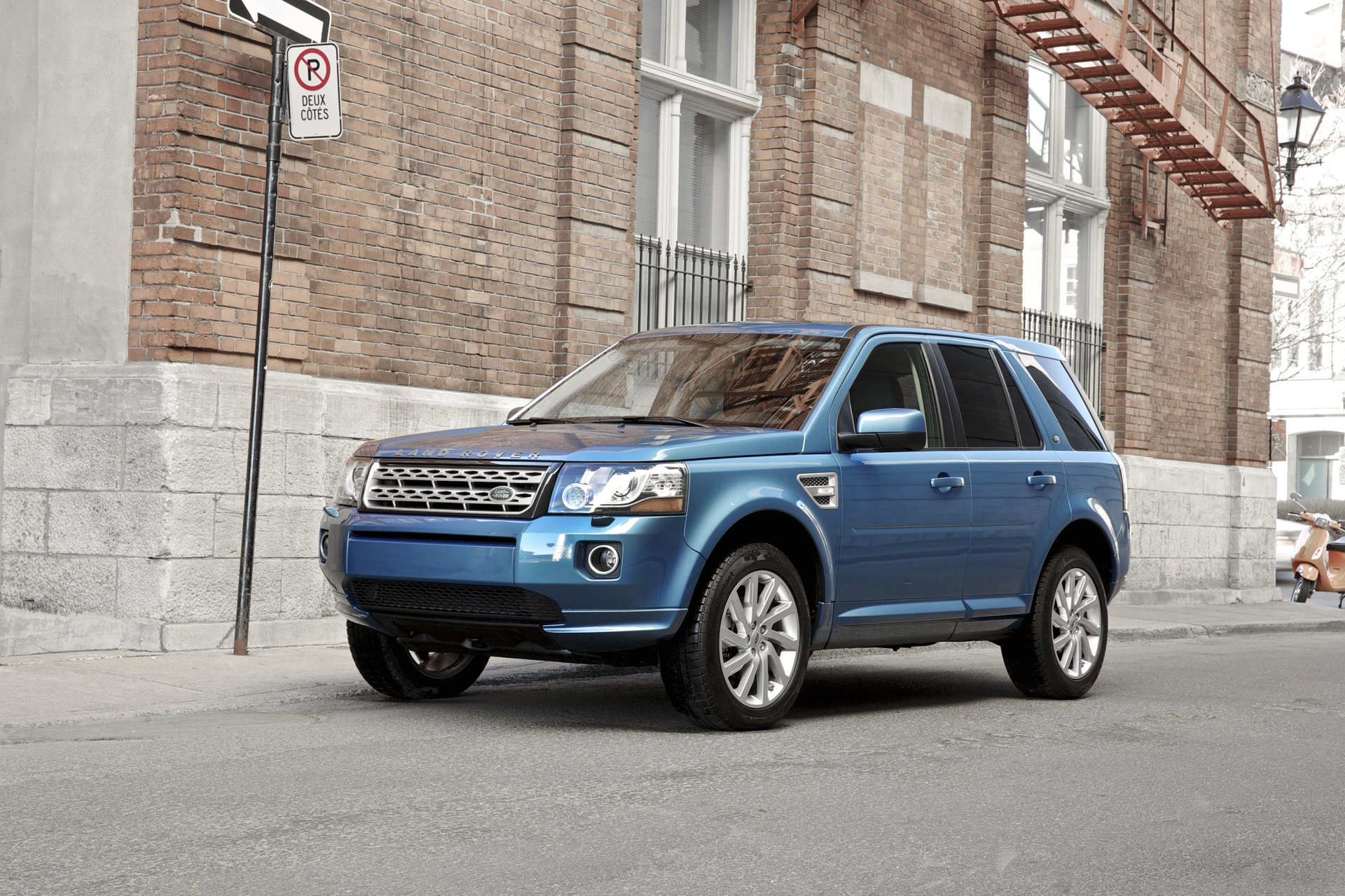2013 Land Rover Lr2 Specs New And Used Car Listings Car