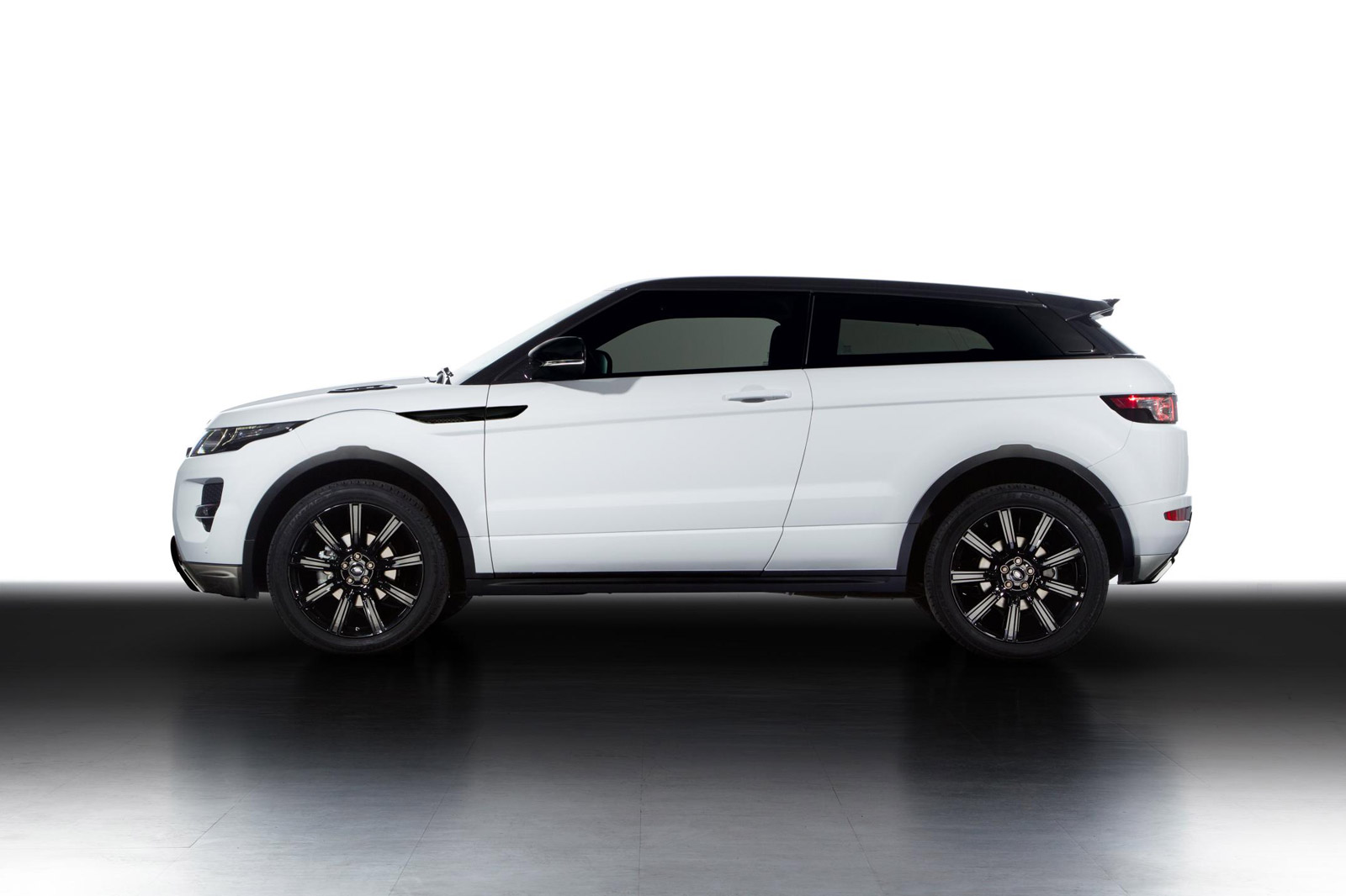 2013 land rover range rover evoque review ratings specs prices and photos the car connection. Black Bedroom Furniture Sets. Home Design Ideas