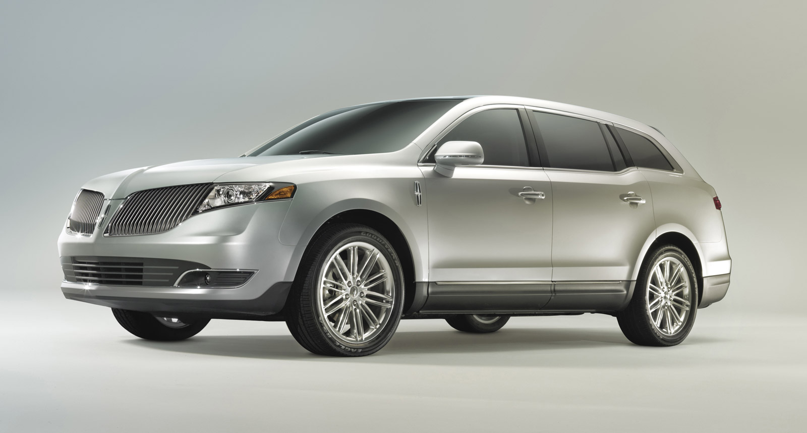 2013 Lincoln MKT Review, Ratings, Specs, Prices, and ...