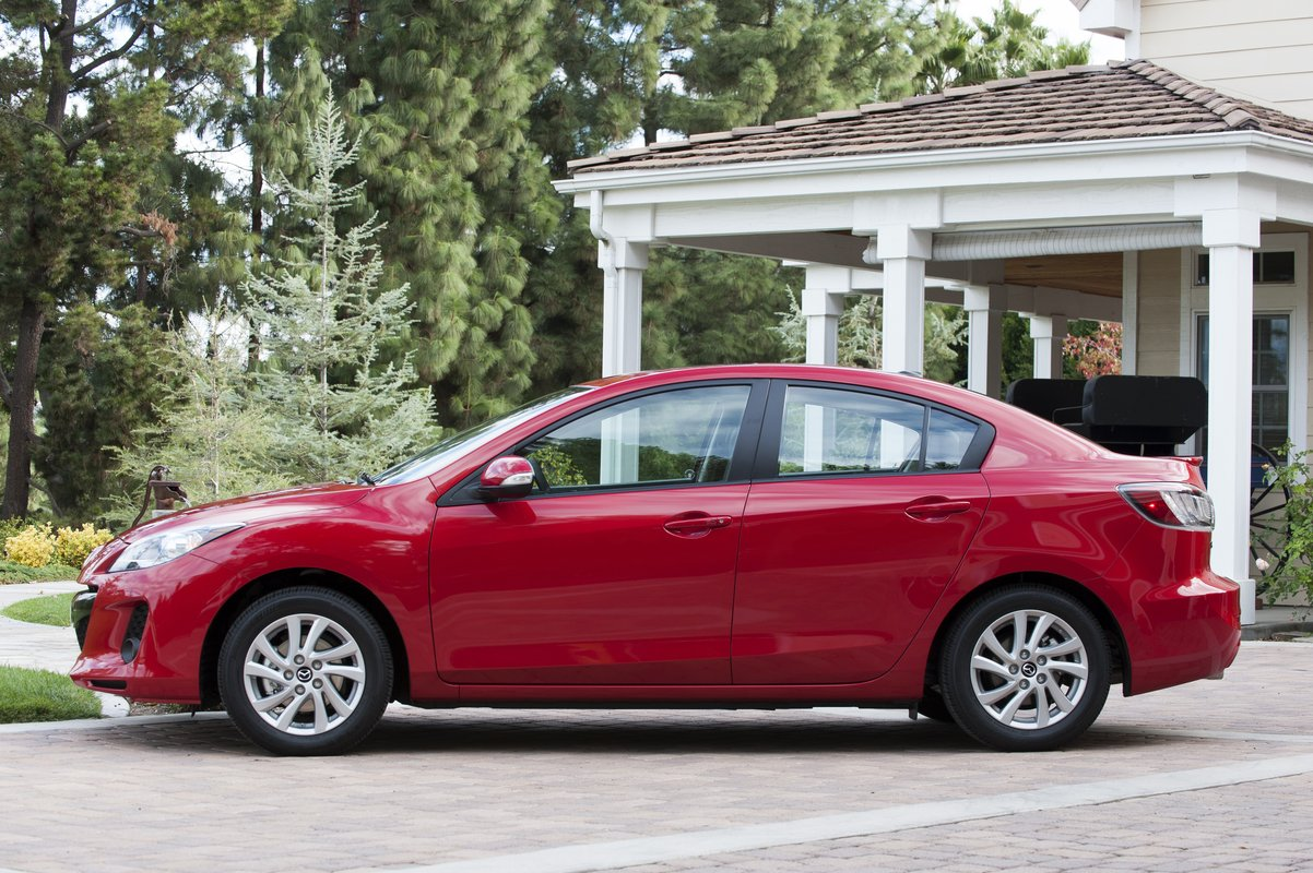 2013 mazda mazda3 review ratings specs prices and. Black Bedroom Furniture Sets. Home Design Ideas