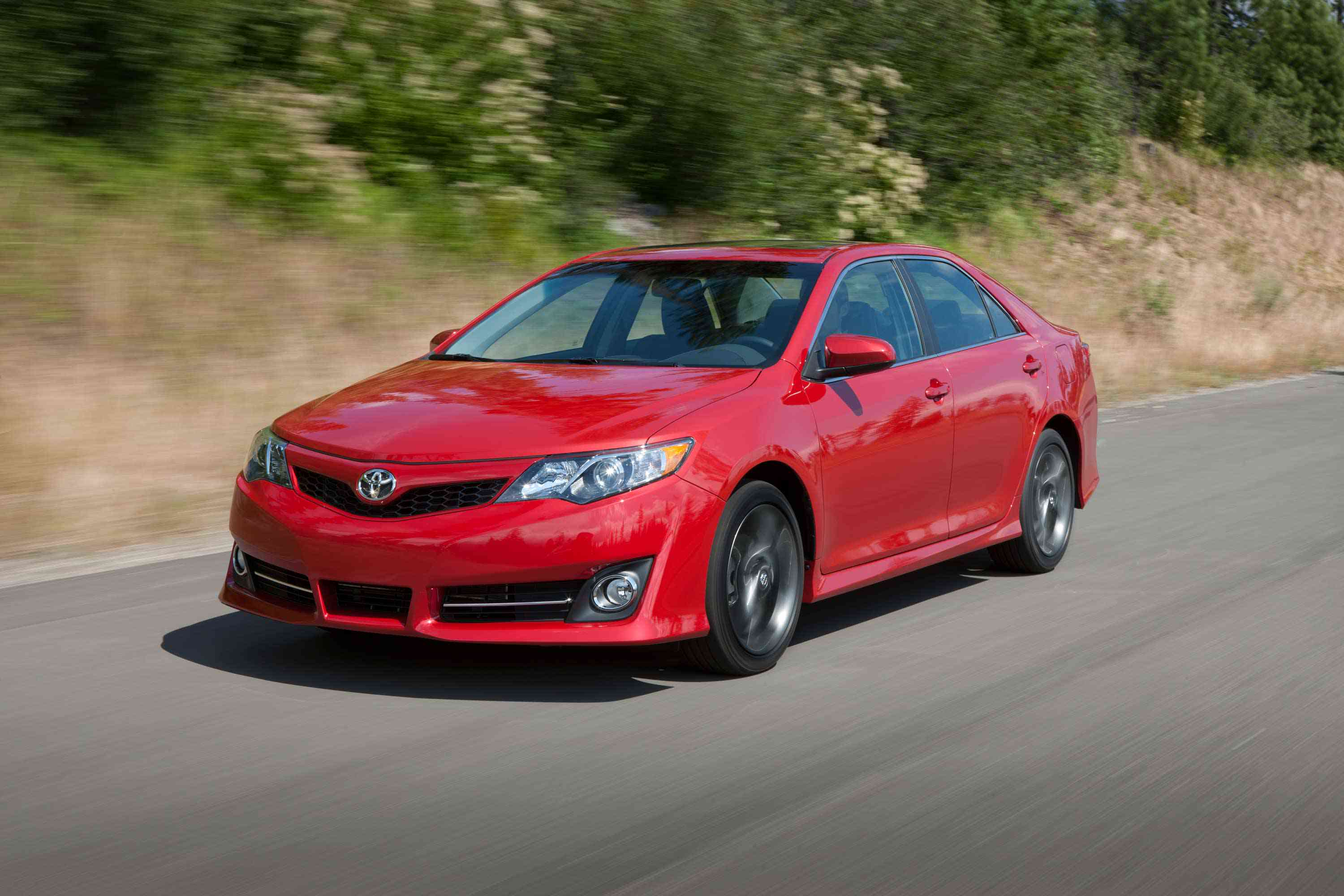 2013 toyota camry reviews test drives green car reports. Black Bedroom Furniture Sets. Home Design Ideas