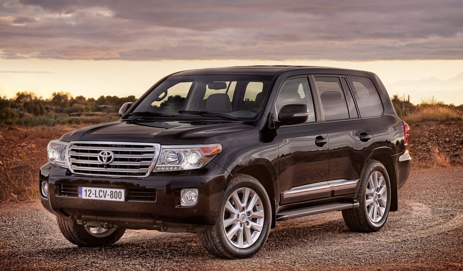 2013 Toyota Land Cruiser Review Ratings Specs Prices