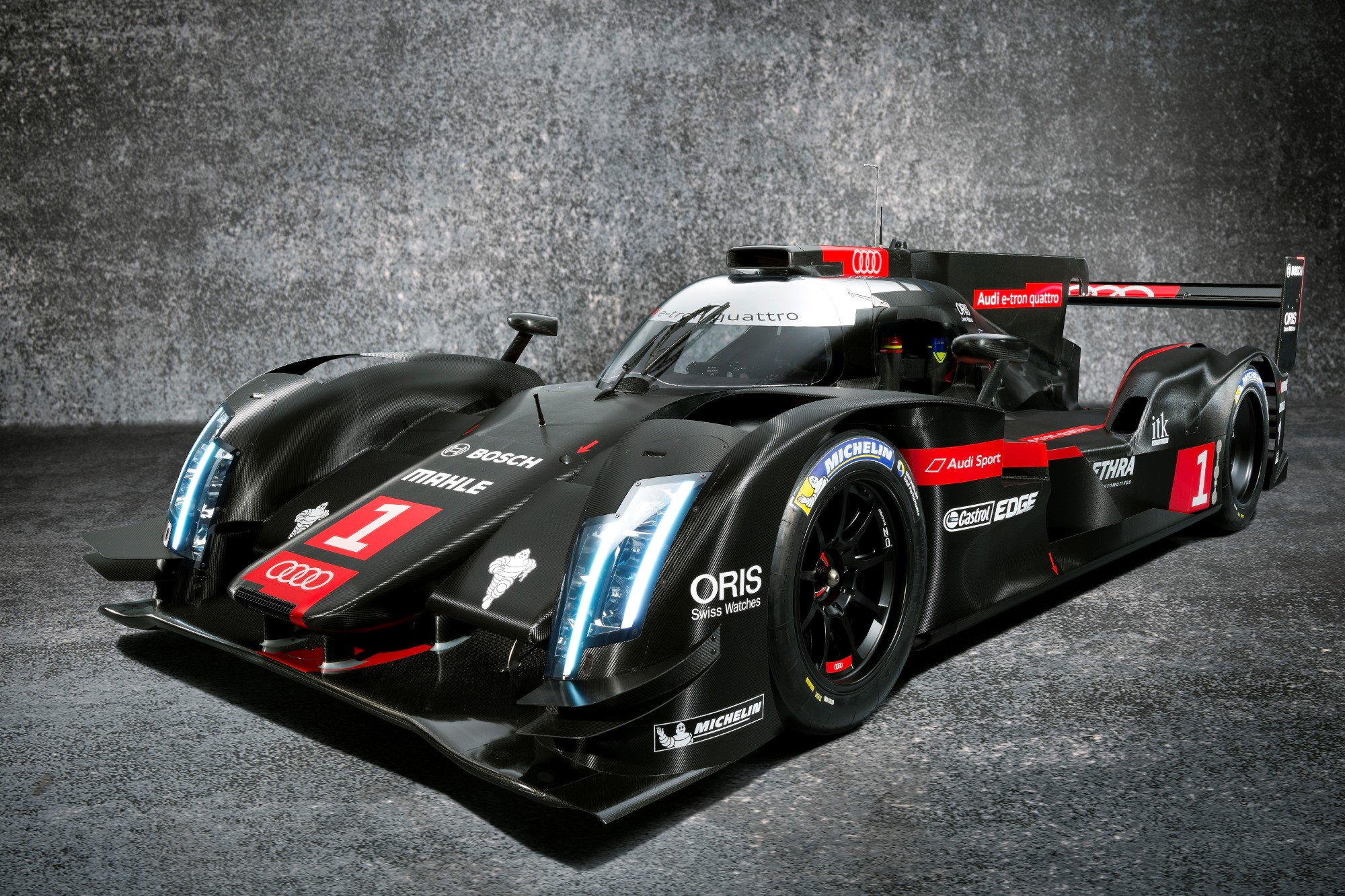 2014 audi r18 e tron quattro more efficient lighter safer for Garage automobile le mans