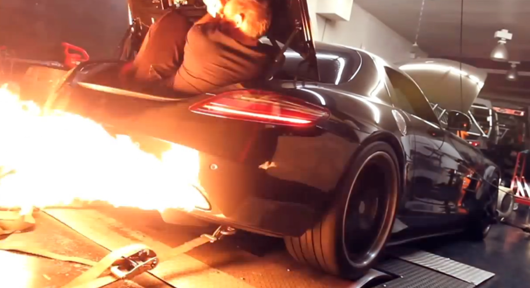 Twin Turbo Mercedes Benz Sls Amg Shoots Massive Flames On The Dyno Video
