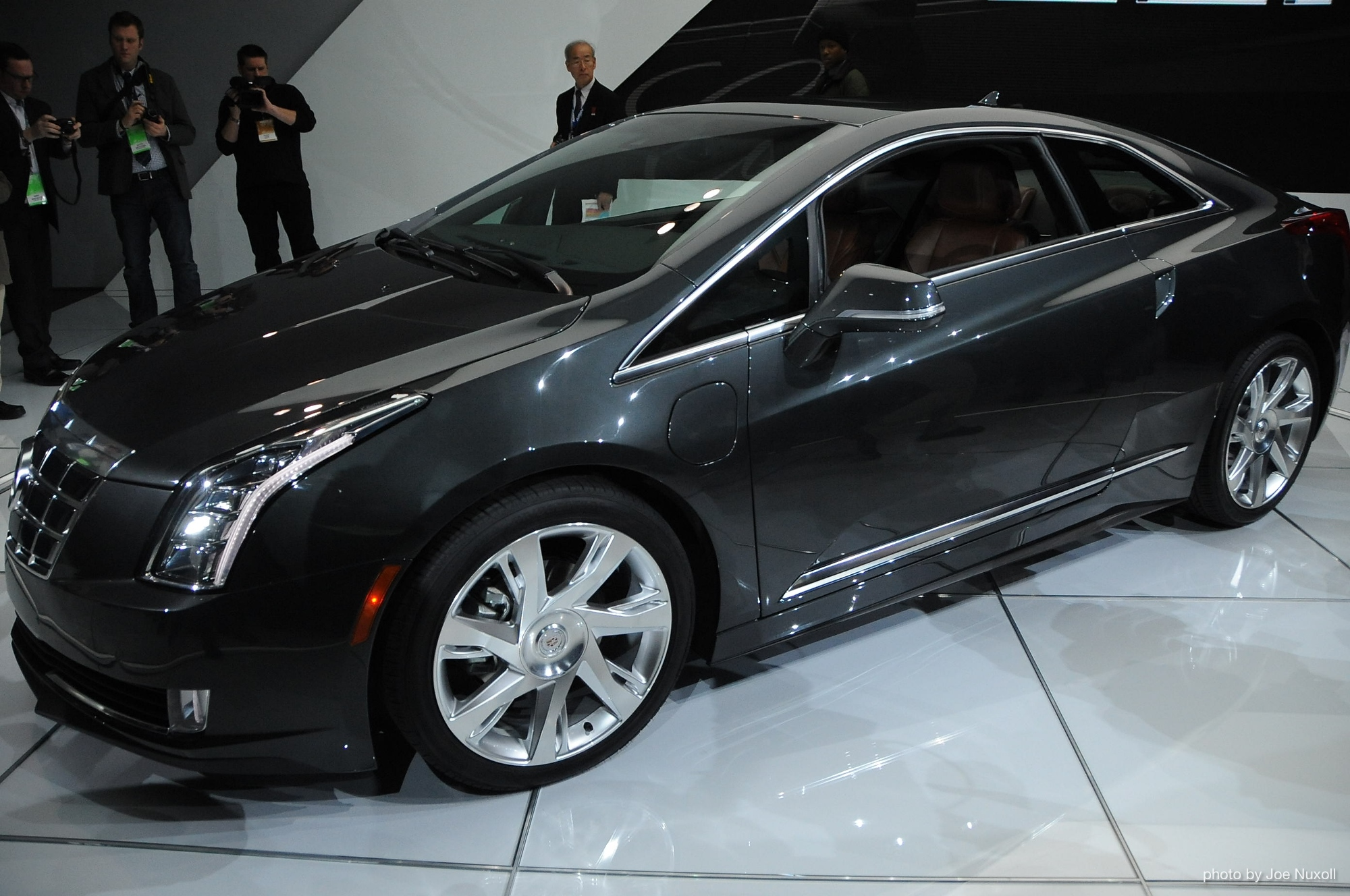 2014 Cadillac Elr Revealed At 2013 Detroit Auto Show 100415991