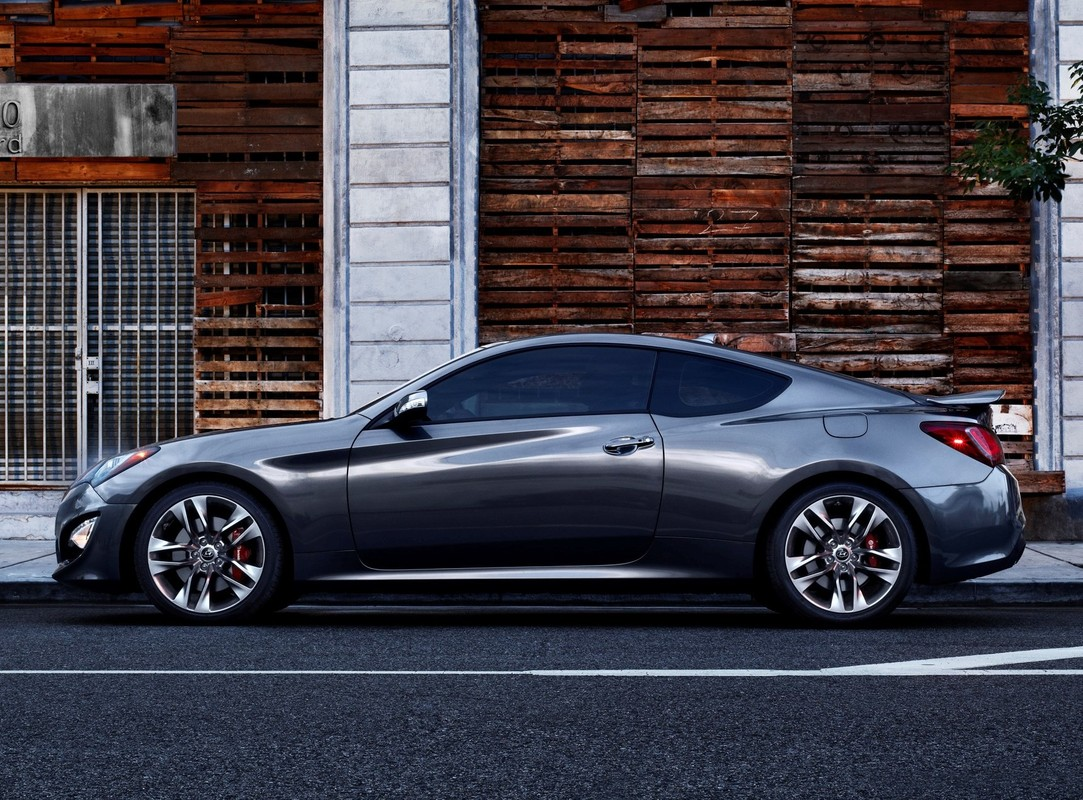 new and used hyundai genesis coupe prices photos reviews specs the car connection. Black Bedroom Furniture Sets. Home Design Ideas
