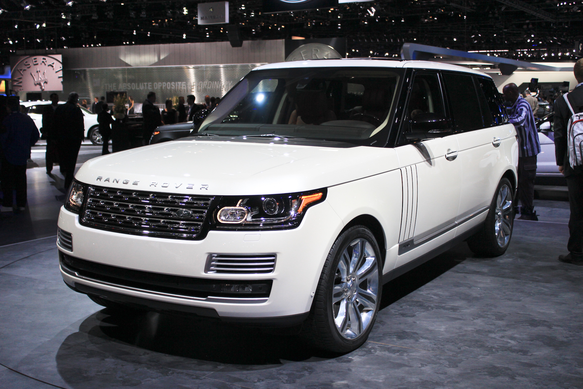 2014 land rover range rover review ratings specs prices and photos the car connection. Black Bedroom Furniture Sets. Home Design Ideas
