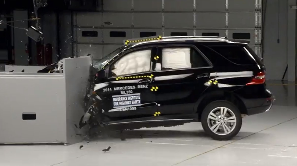 2014 mercedes benz ml goes blammo for iihs scores top