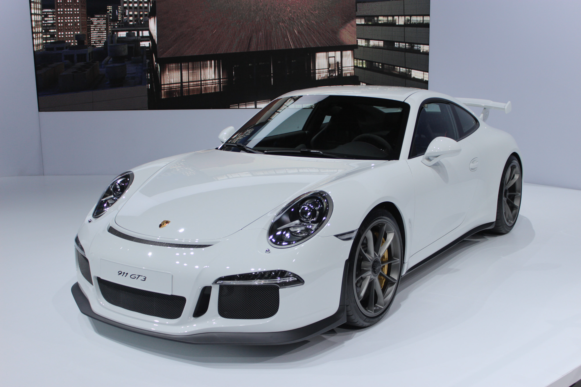 Auto Auction Los Angeles >> 2014 Porsche 911 GT3: Live Images From New York