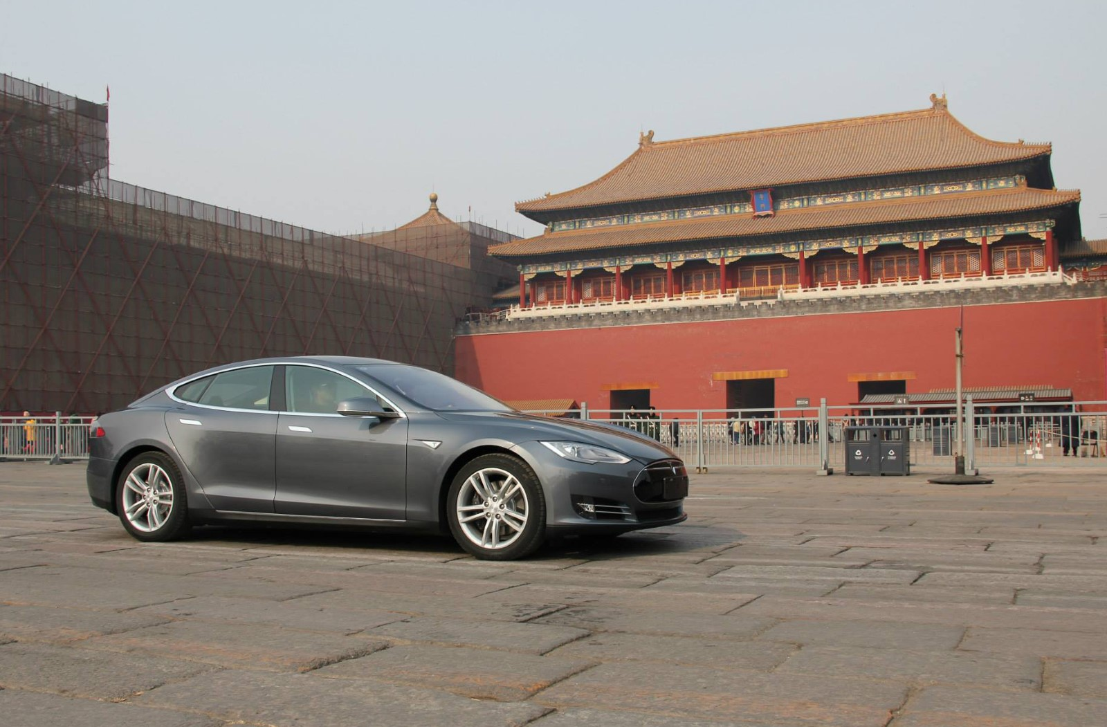 Tesla Model S China Sales Robust Electric Car Waiting