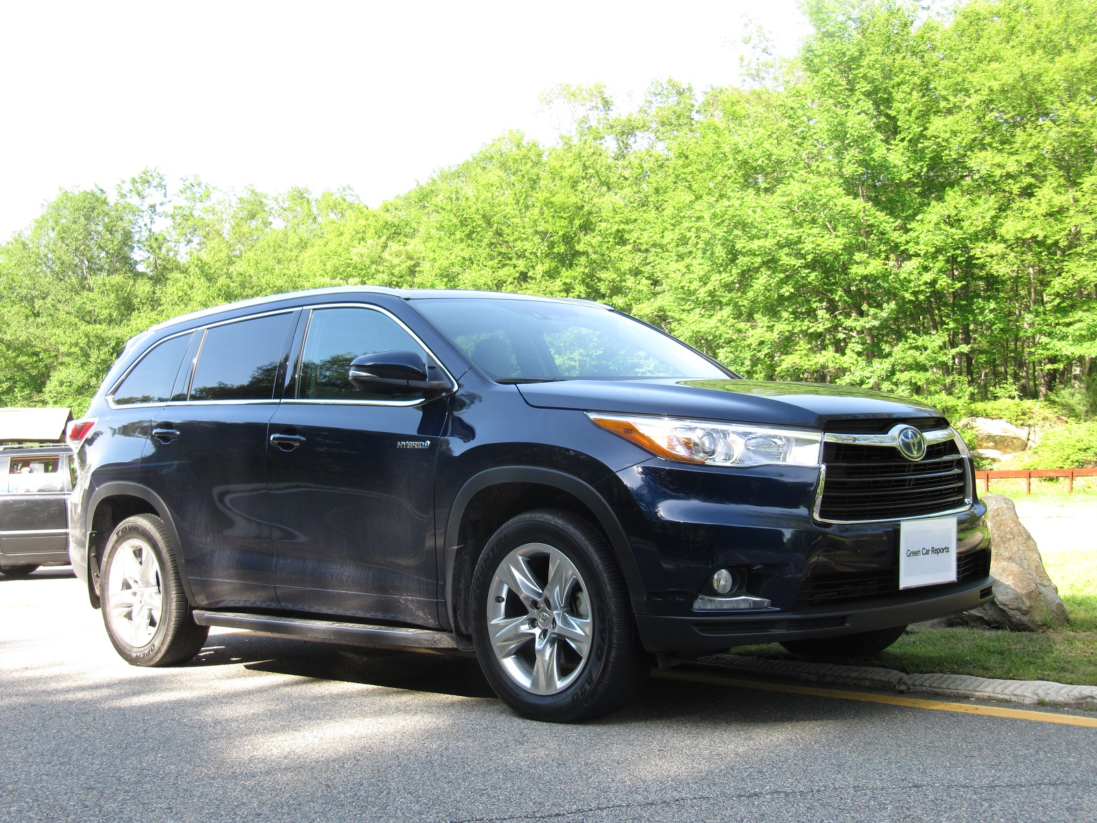 2014 Toyota Highlander Hybrid Gas Mileage Review