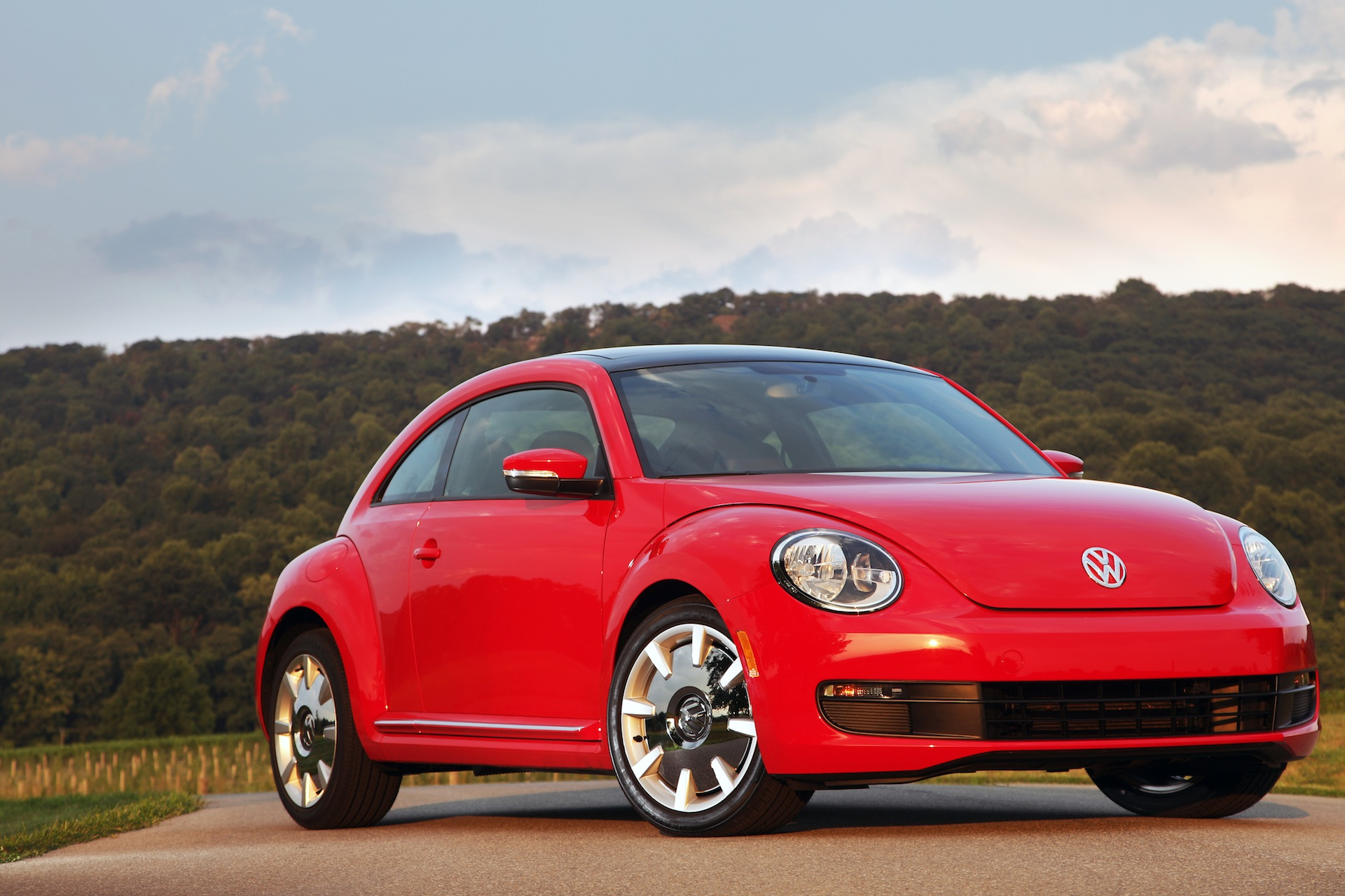 vw beetle range to expand in 2019 as sub brand to rival mini report. Black Bedroom Furniture Sets. Home Design Ideas