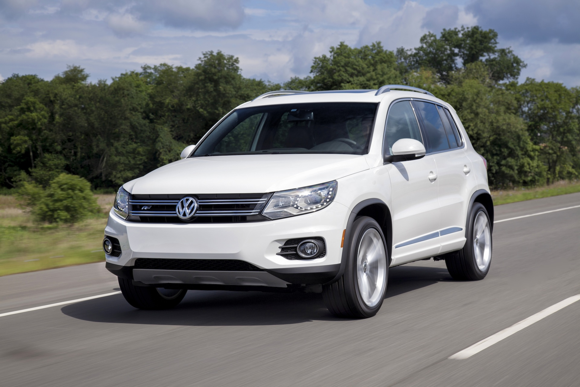 2014 volkswagen tiguan vw review ratings specs prices and photos the car connection. Black Bedroom Furniture Sets. Home Design Ideas