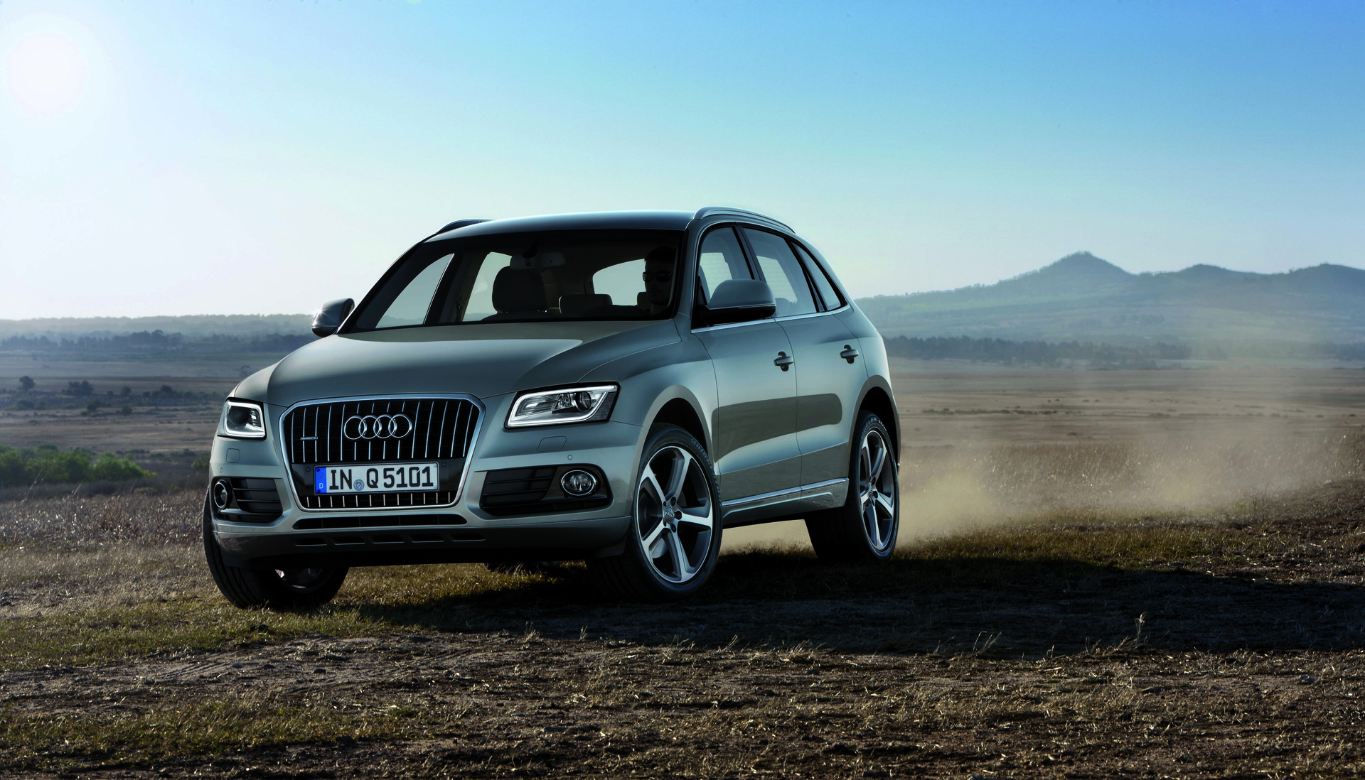 2015 audi q5 review ratings specs prices and photos the car connection. Black Bedroom Furniture Sets. Home Design Ideas