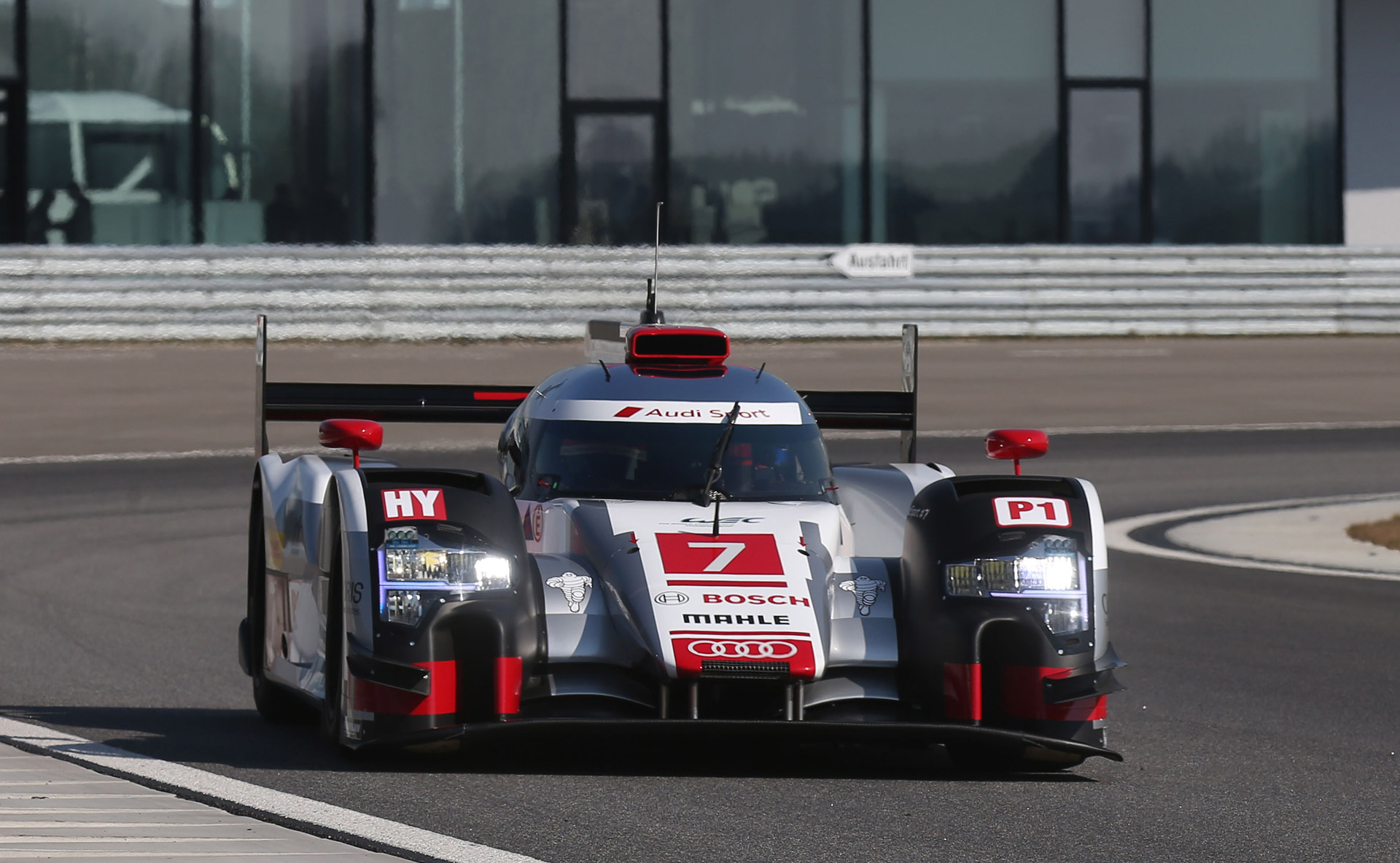 First Look At 2015 Audi R18 E Tron Quattro Le Mans Prototype