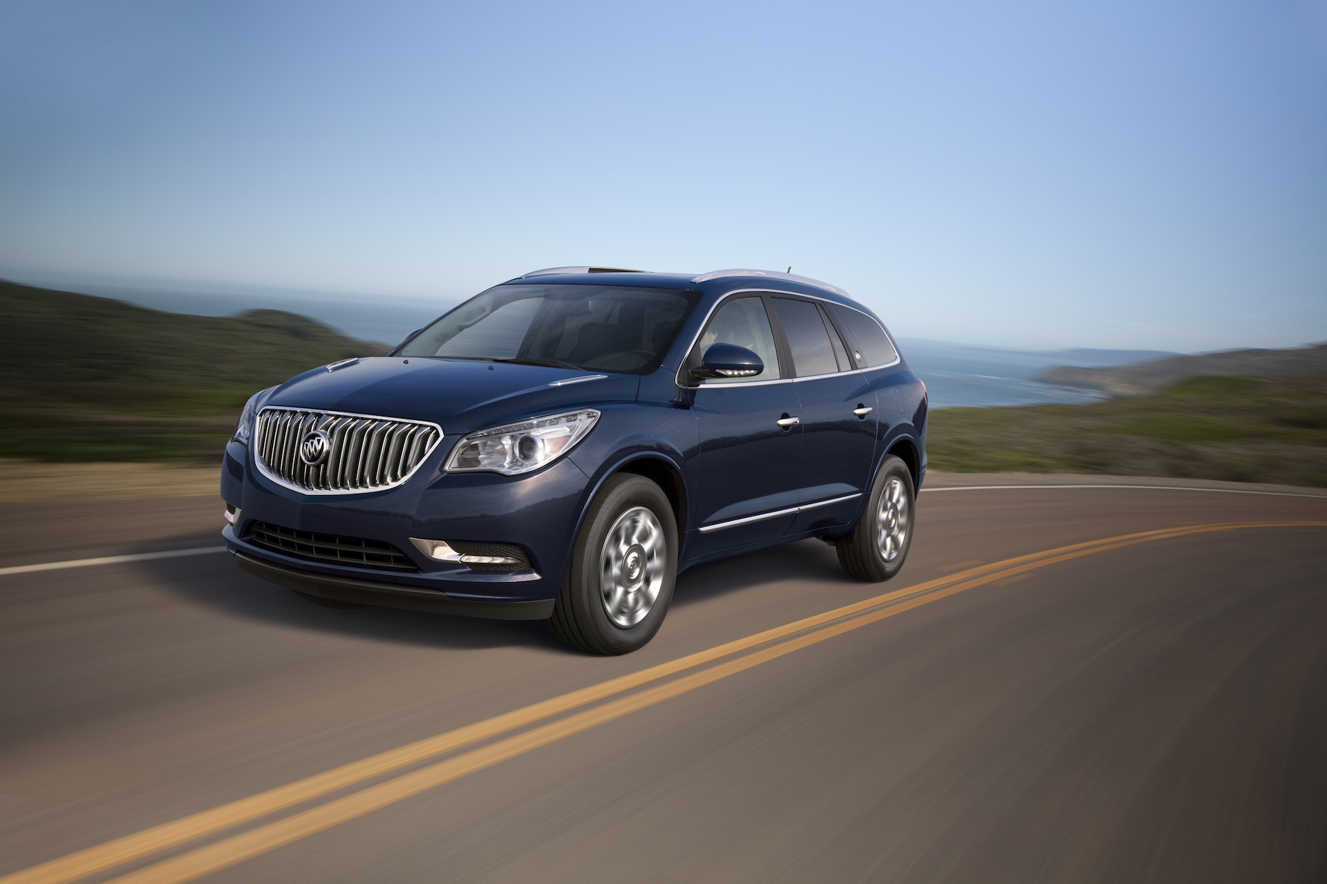 Land Rover Colorado Springs >> Infiniti QX60 Vs. Buick Enclave: Compare Cars
