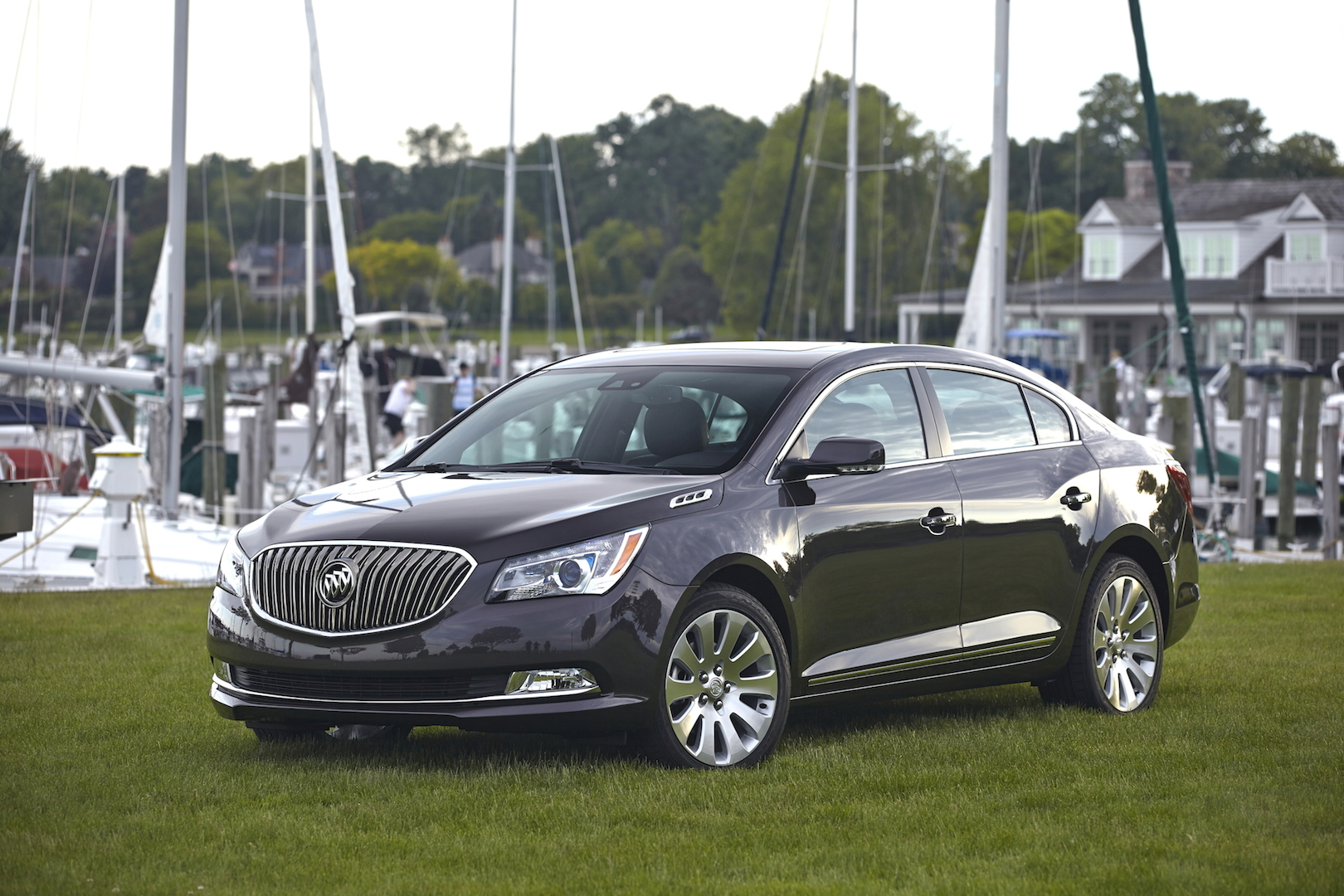 2015 buick lacrosse 100467273. Black Bedroom Furniture Sets. Home Design Ideas