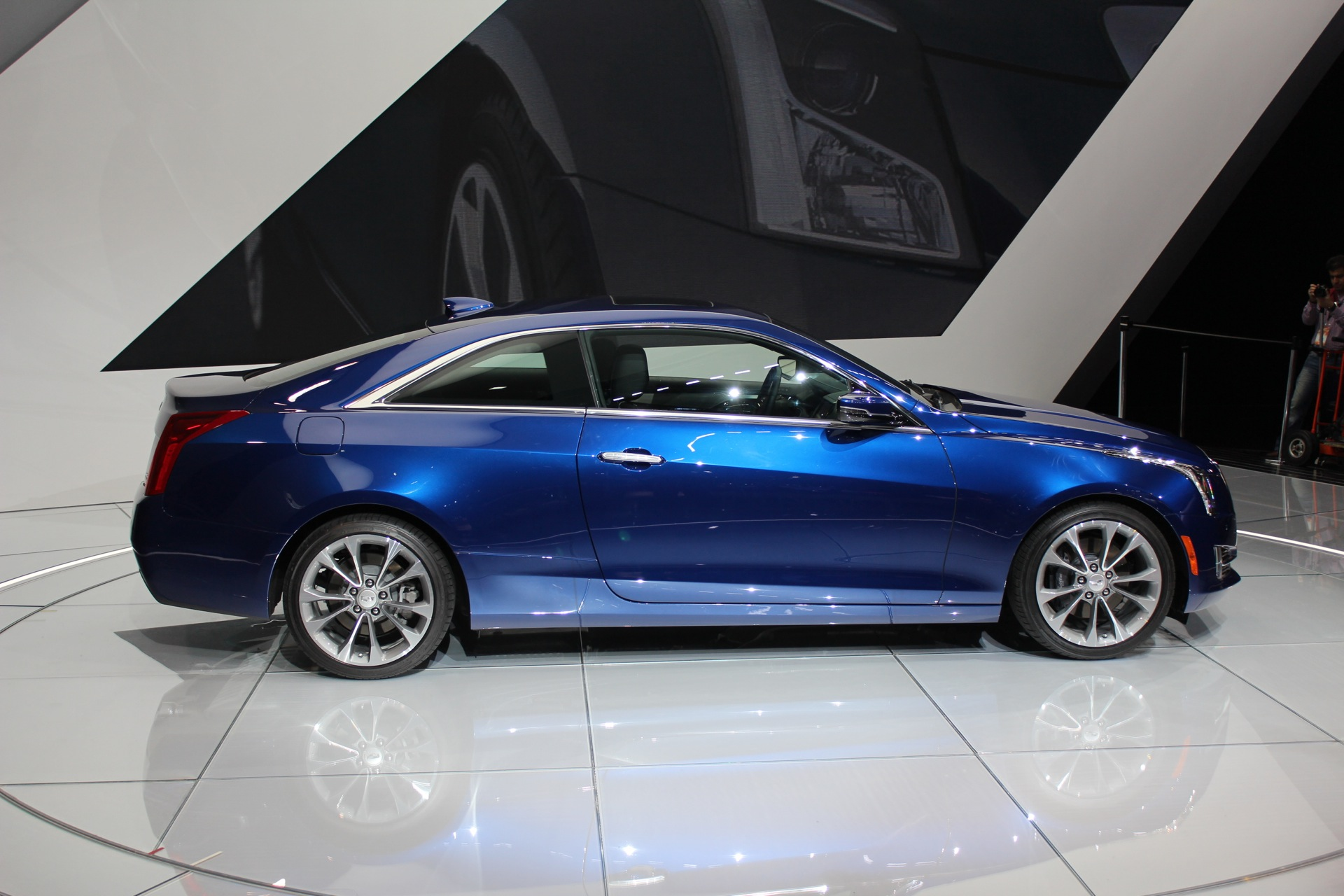 2015 cadillac ats coupe video preview. Black Bedroom Furniture Sets. Home Design Ideas