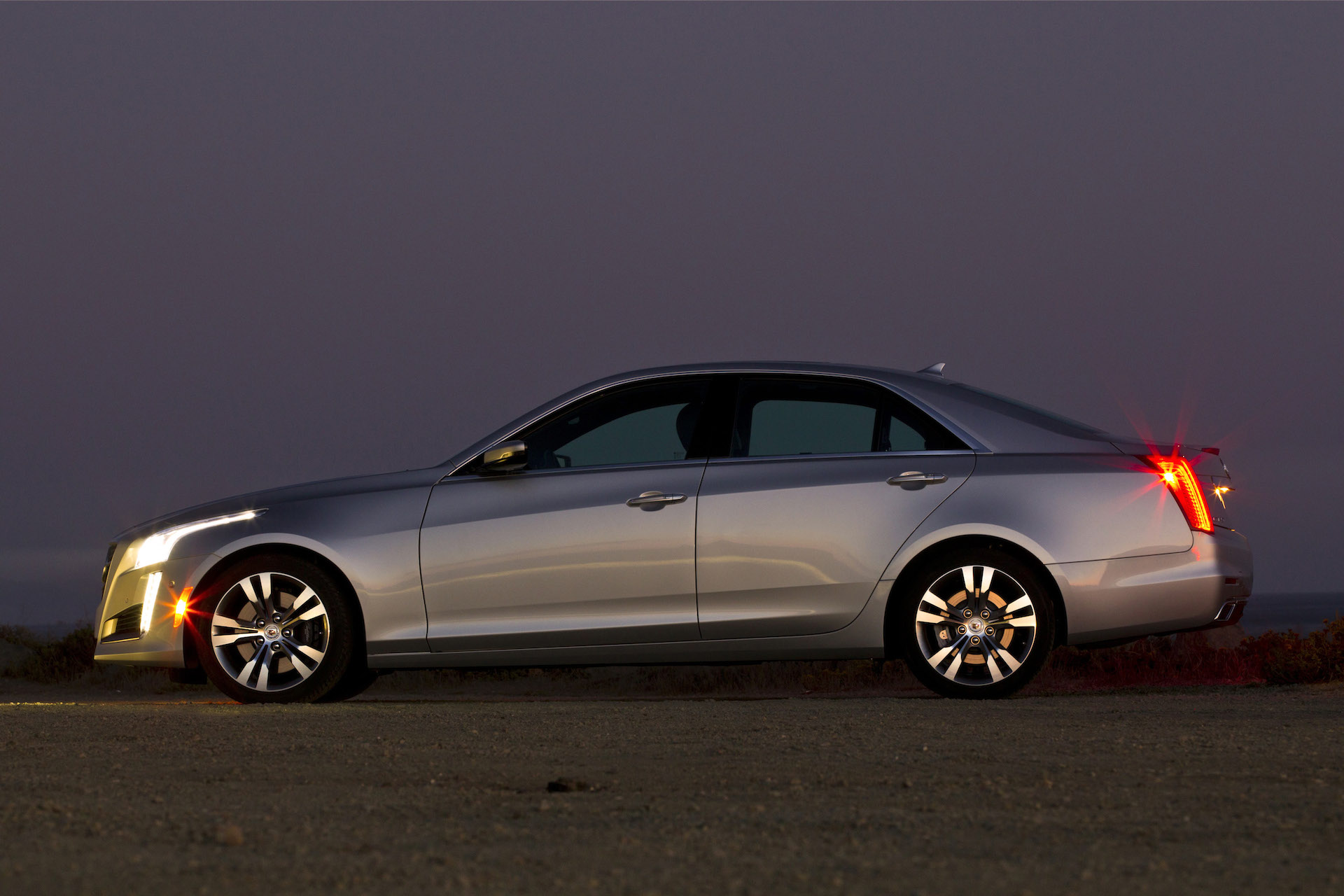 2015 cadillac cts sedan gets coupe face wireless charging. Black Bedroom Furniture Sets. Home Design Ideas