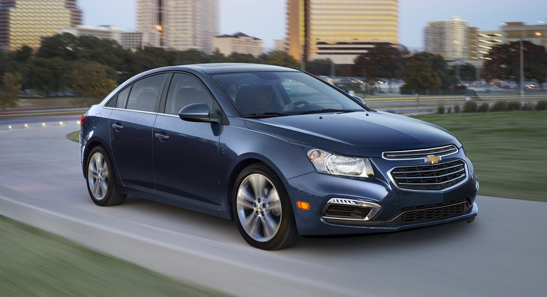 2015 Chevrolet Cruze (Chevy) Review, Ratings, Specs ...