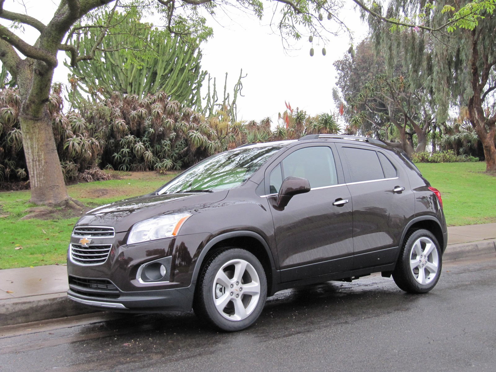 2015 chevrolet trax chevy review ratings specs prices and photos the car connection. Black Bedroom Furniture Sets. Home Design Ideas