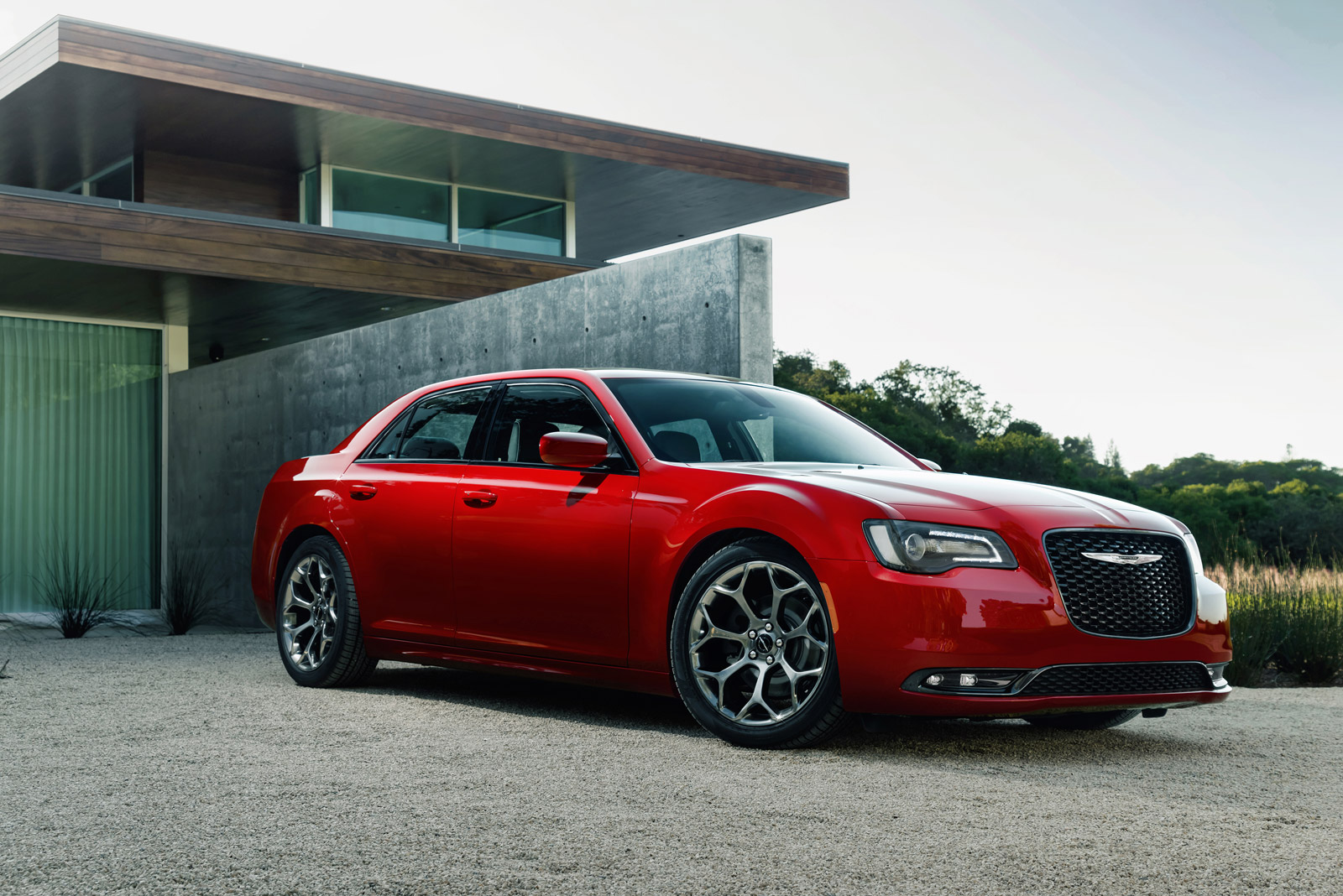 new and used chrysler 300 prices photos reviews specs the car connection. Black Bedroom Furniture Sets. Home Design Ideas