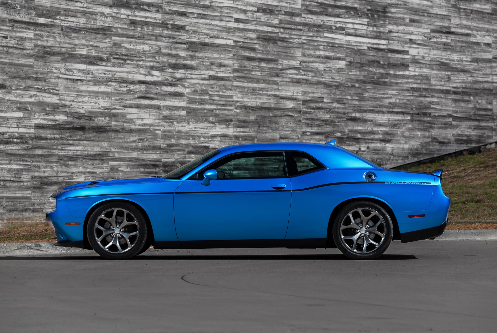 2015 dodge challenger review ratings specs prices and photos the car connection. Black Bedroom Furniture Sets. Home Design Ideas