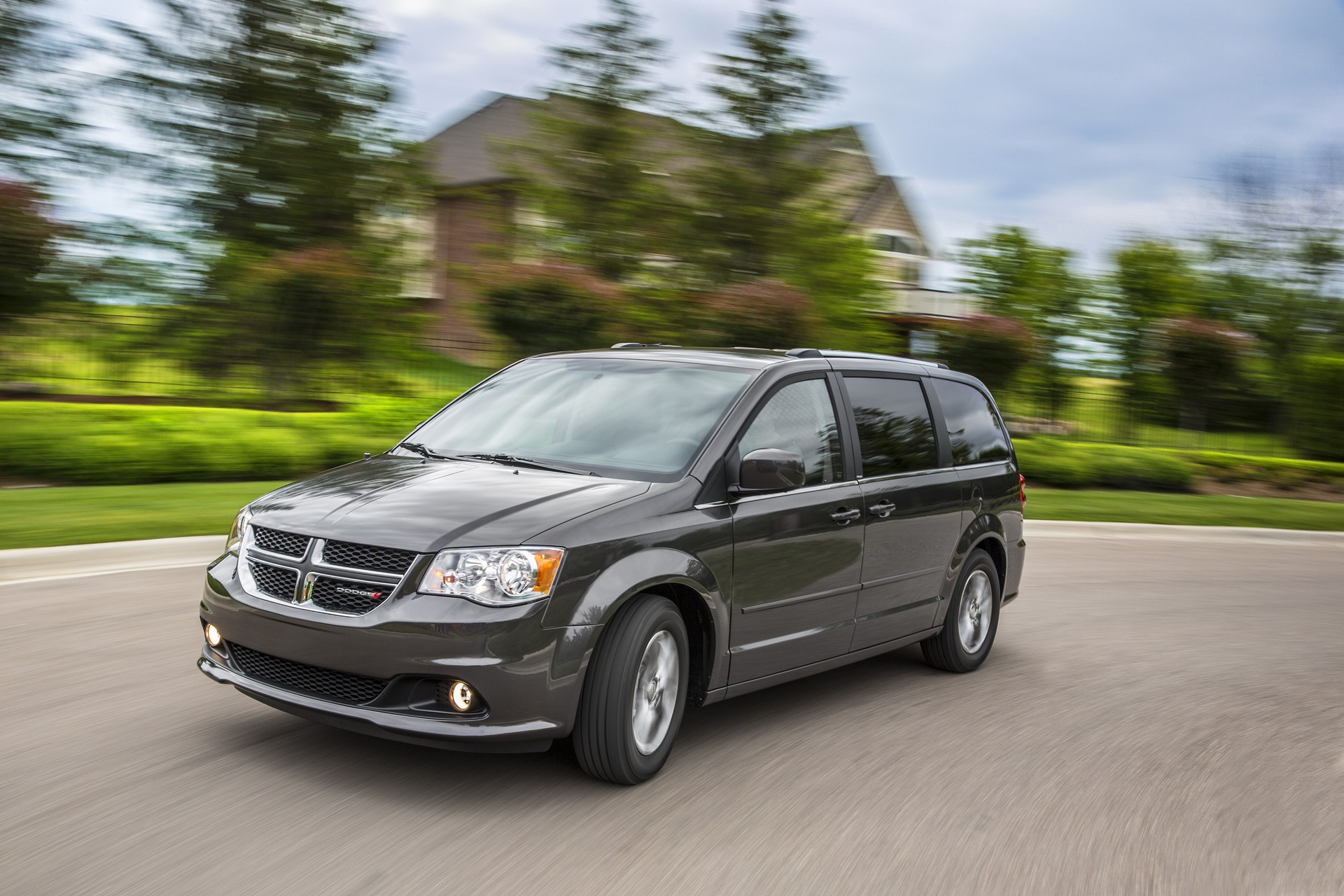 new and used dodge grand caravan prices photos reviews. Black Bedroom Furniture Sets. Home Design Ideas