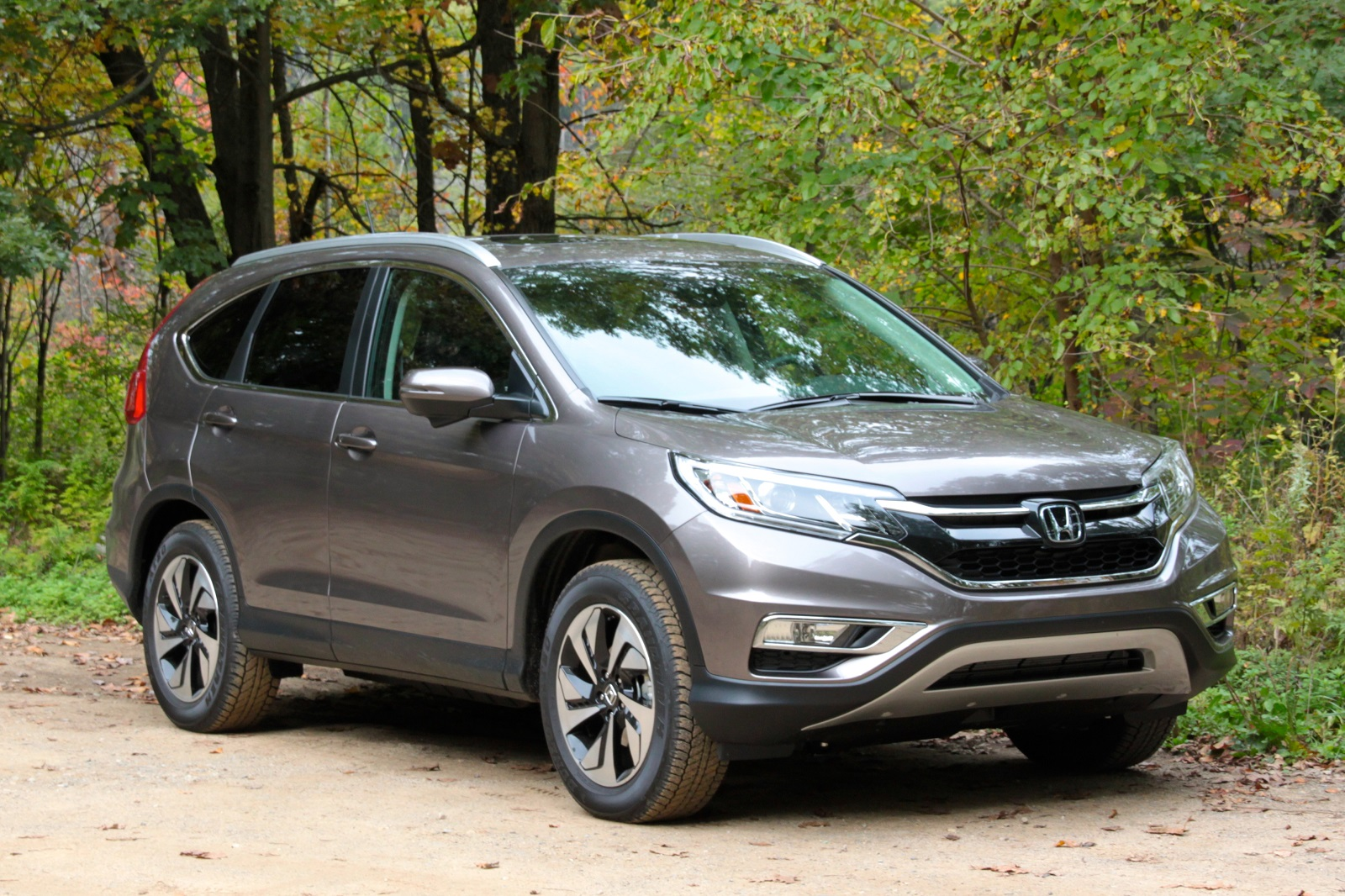 2015 honda cr v gas mileage test of updated crossover suv for Is a honda crv a suv