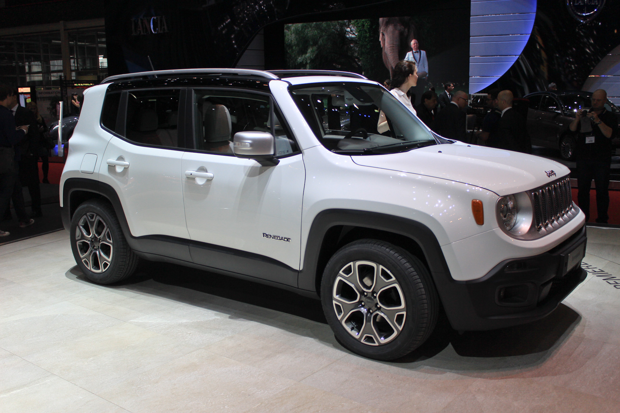Jeep Renegade Is 'Male,' While Fiat 500X Will Be More ...