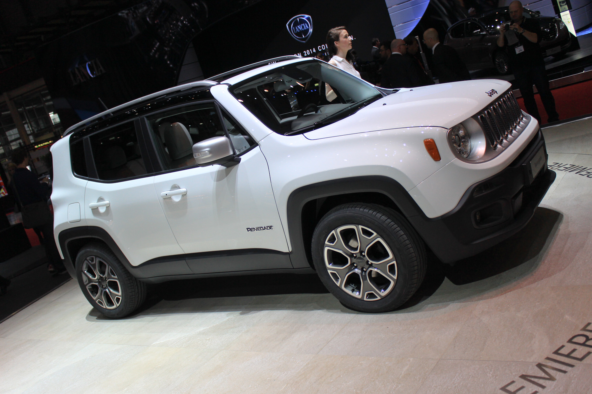 2015 Renegade - Jeep Downsizes For World Domination ...
