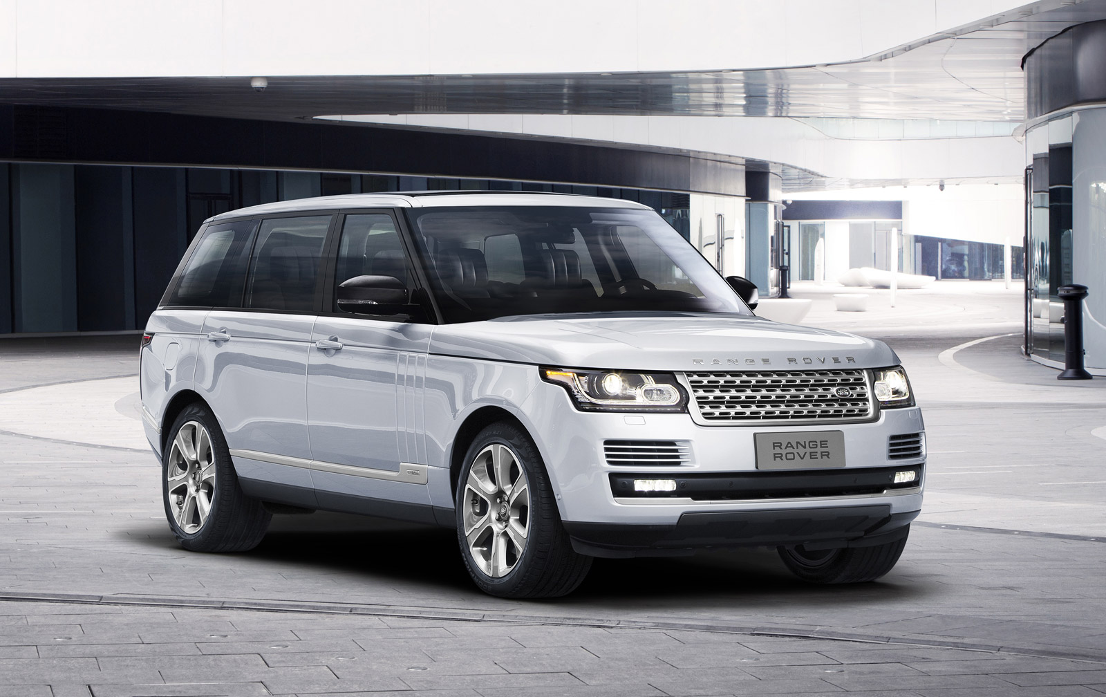 range rover long wheelbase gets hybrid option but not in u s. Black Bedroom Furniture Sets. Home Design Ideas