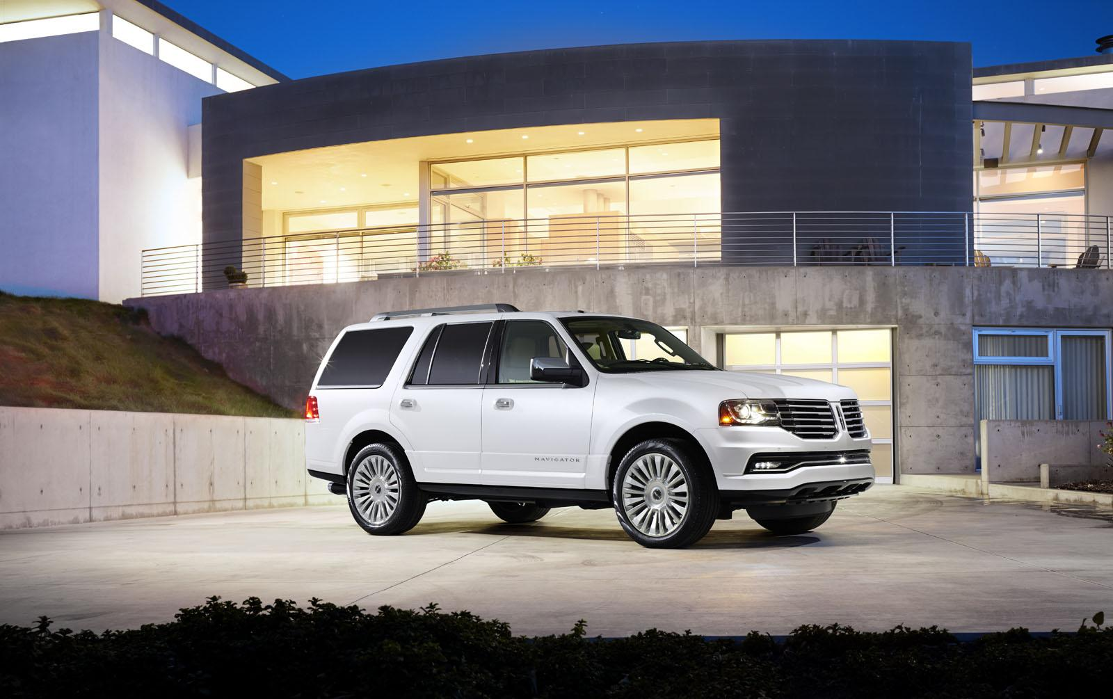 Bmw Of Fresno >> 2015 Lincoln Navigator Review, Ratings, Specs, Prices, and Photos - The Car Connection