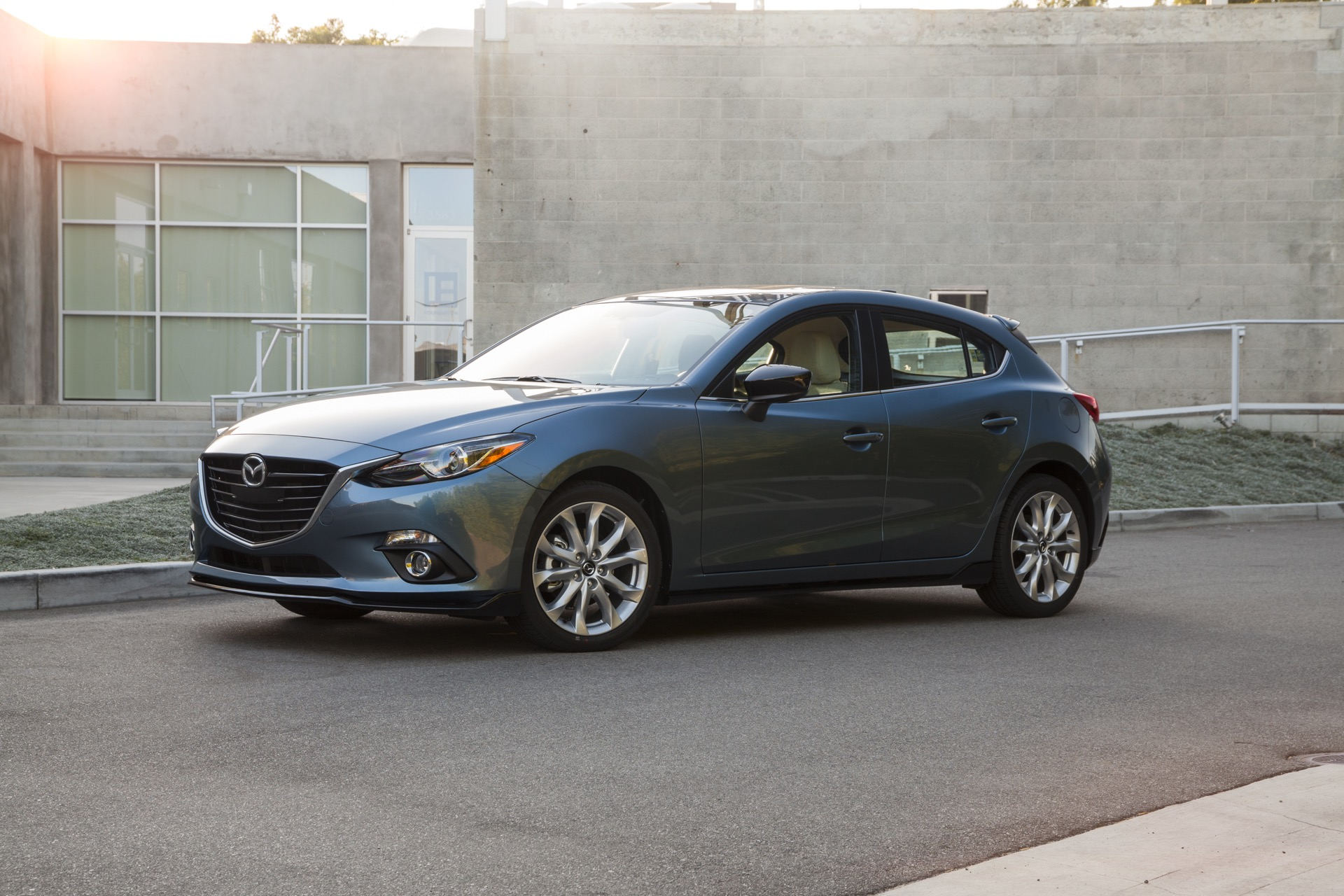 New And Used Mazda Mazda3 Prices Photos Reviews Specs