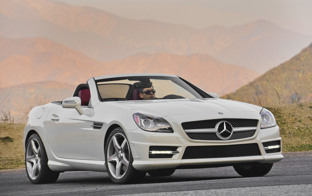 New and used mercedes benz slk class prices photos for Price of a new mercedes benz