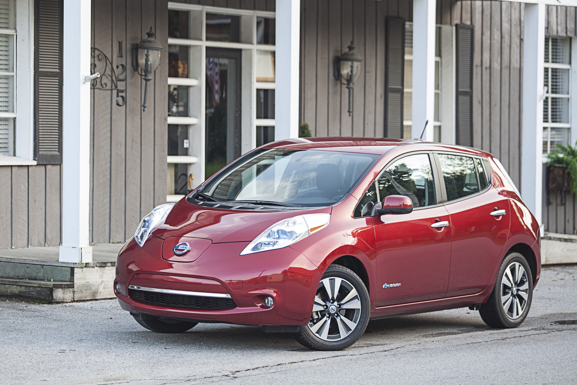 Novita Nissan 2015 2015 Nissan Leaf Review