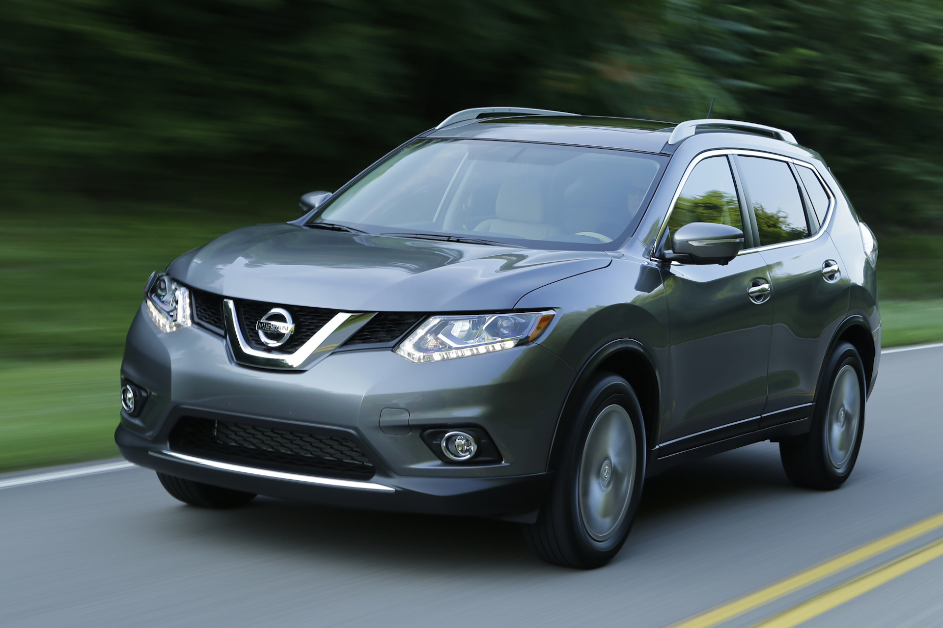 new and used nissan rogue prices photos reviews specs the car connection. Black Bedroom Furniture Sets. Home Design Ideas