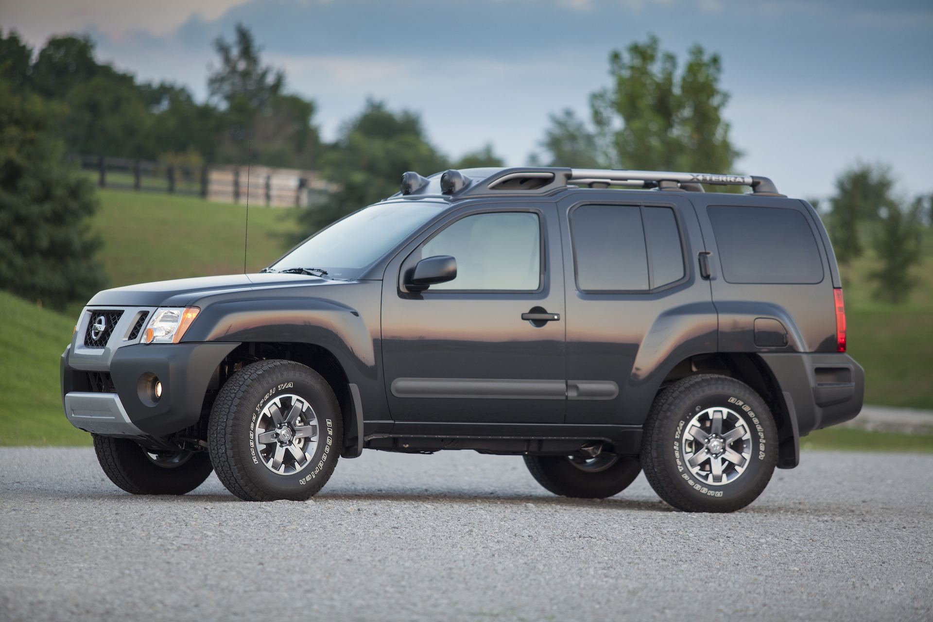 Nissan Xterra Review Car And Driver