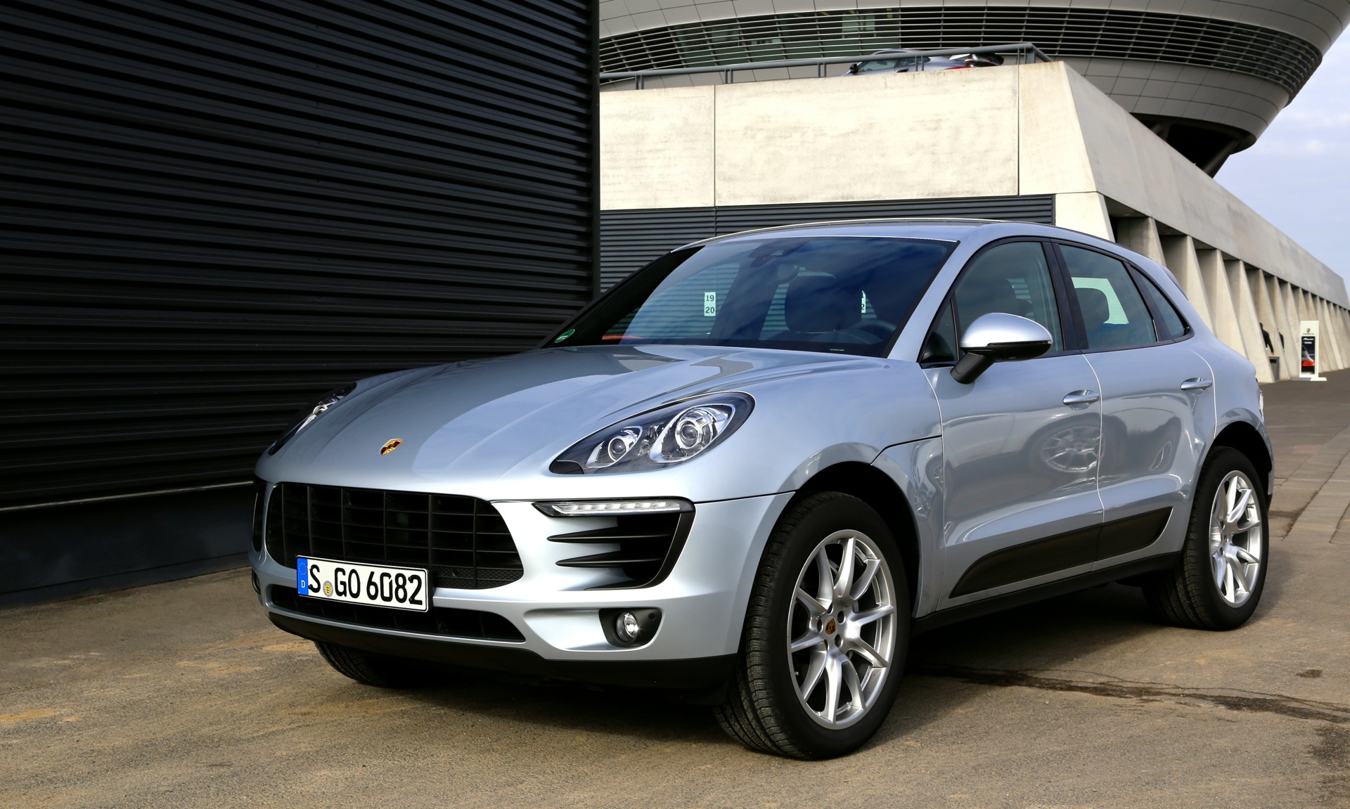 porsche exec confirms macan s diesel for u s. Black Bedroom Furniture Sets. Home Design Ideas
