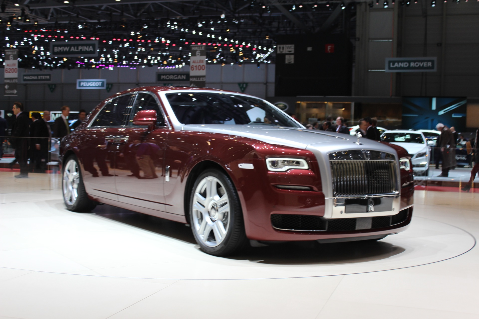Rolls royce ghost series ii unveiled in geneva live for Rolls royce auto