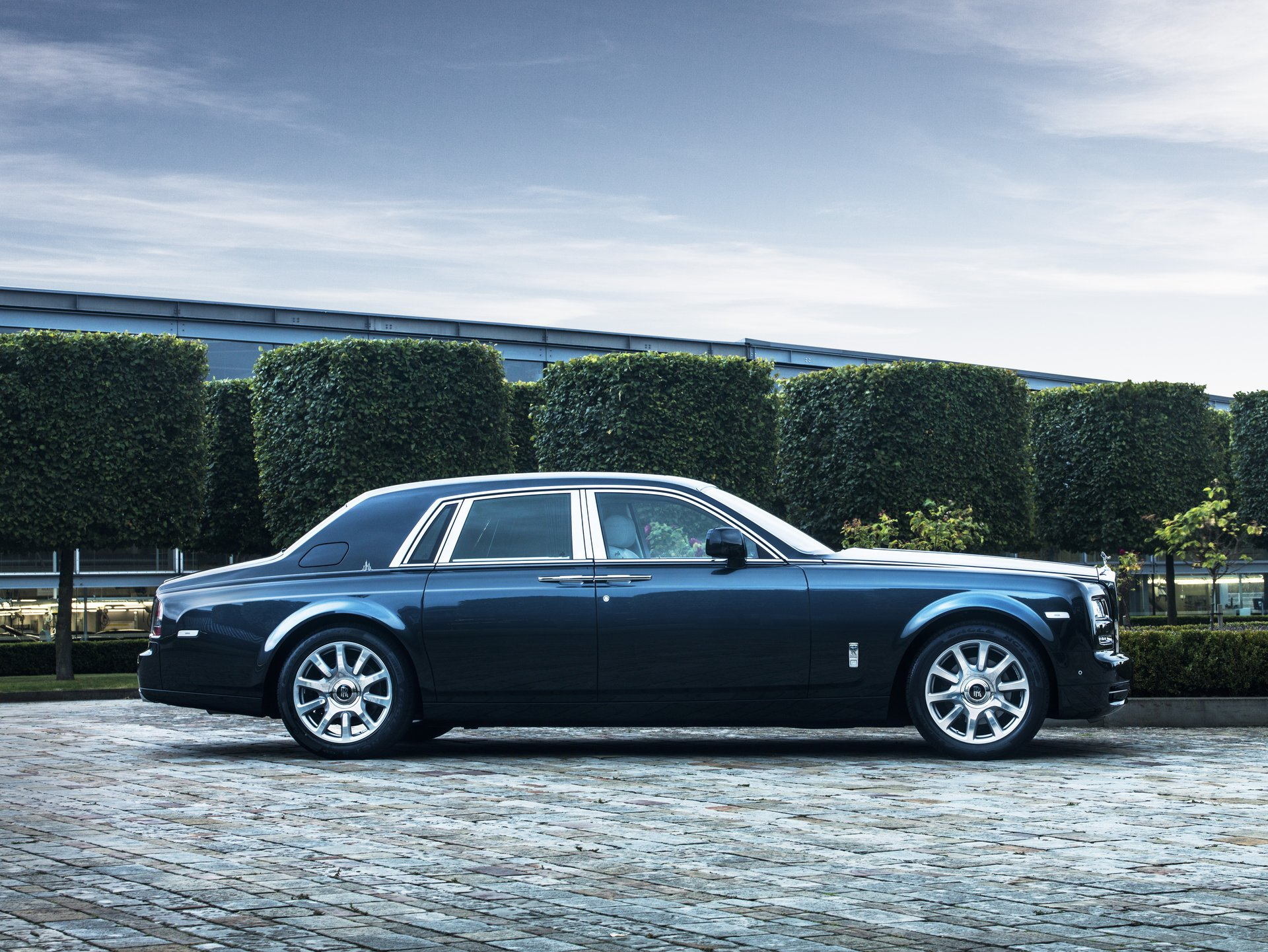 2015 rolls royce phantom review ratings specs prices and photos the car connection. Black Bedroom Furniture Sets. Home Design Ideas